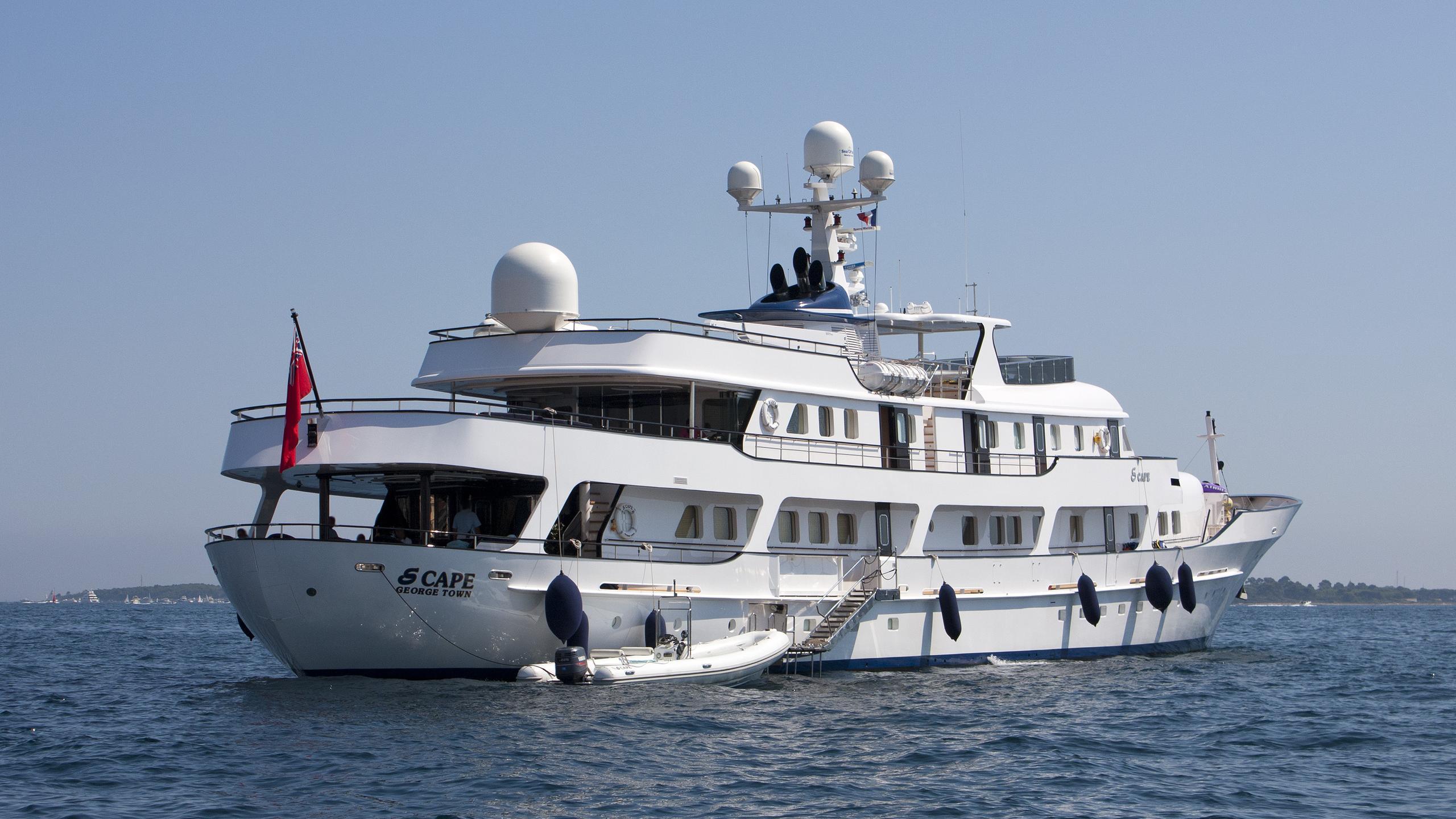 meserret-ii-motor-yacht-cammenga-1978-57m-stern