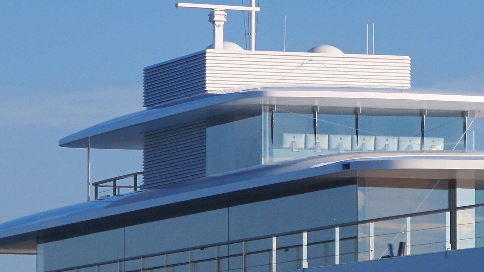 Steve Jobs superyacht Venus iMac bridge