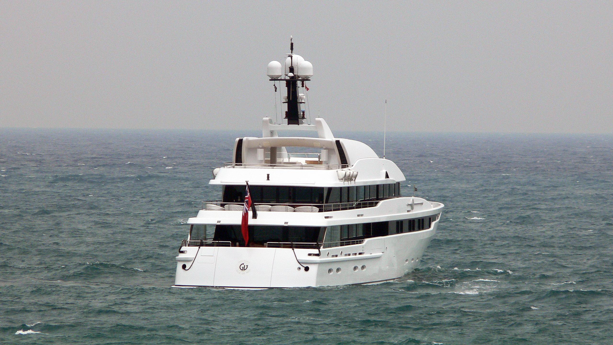 astrid-conroy-motor-yacht-amels-2006-58m-stern-cruising
