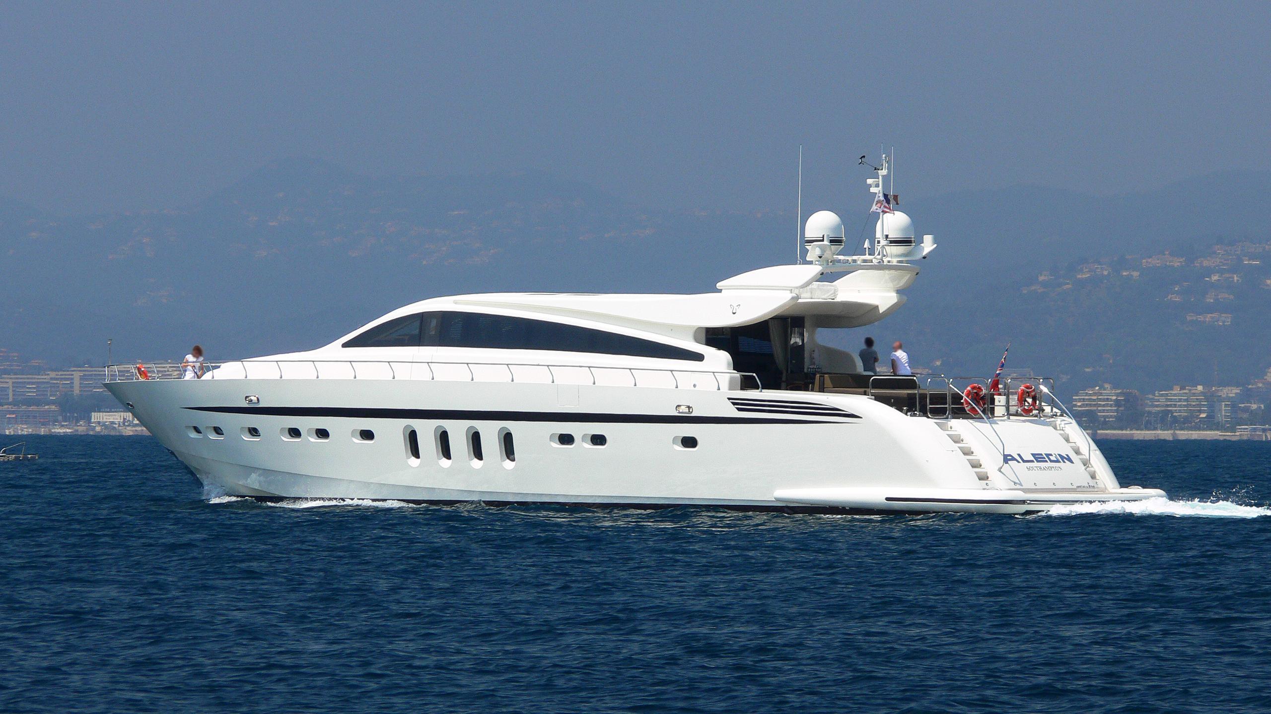 aleon-motor-yacht-arno-leopard-31-sport-2006-31m-half-profile-cruising