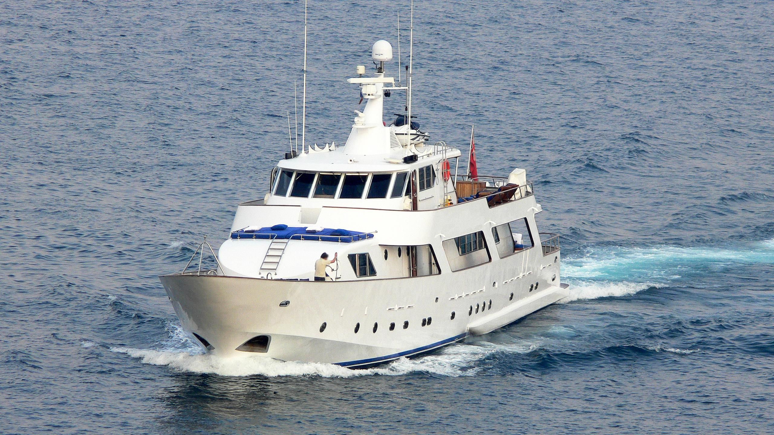 ava-motor-yacht-crn-1976-40m-bow-cruising