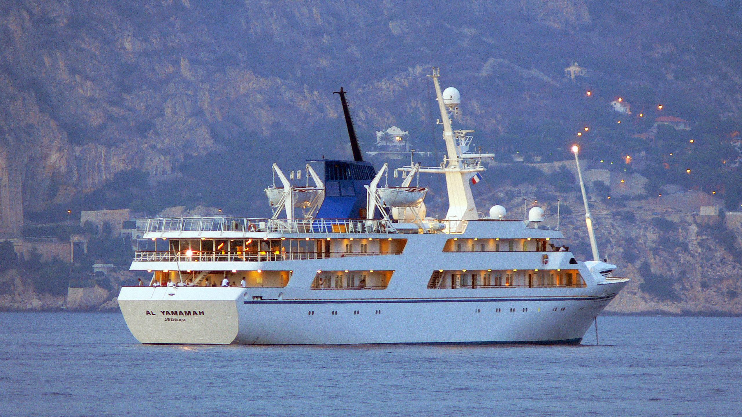 basrah-breeze-motor-yacht-helsingor-vaerft-1981-82m-stern