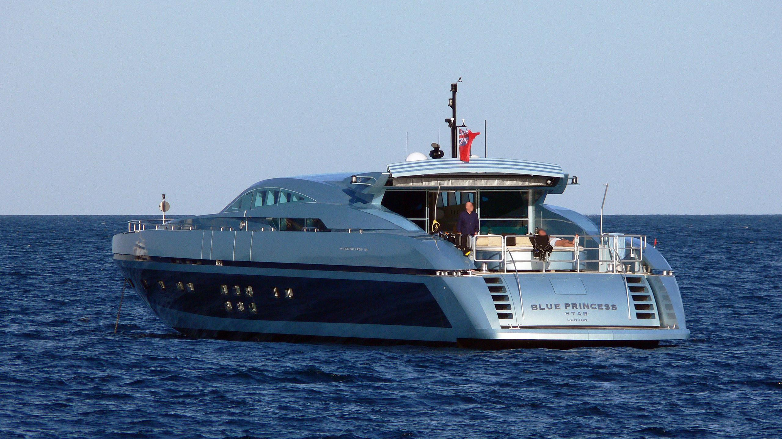 blue-princess-star-motor-yacht-baglietto-112-ht-2005-34m-stern