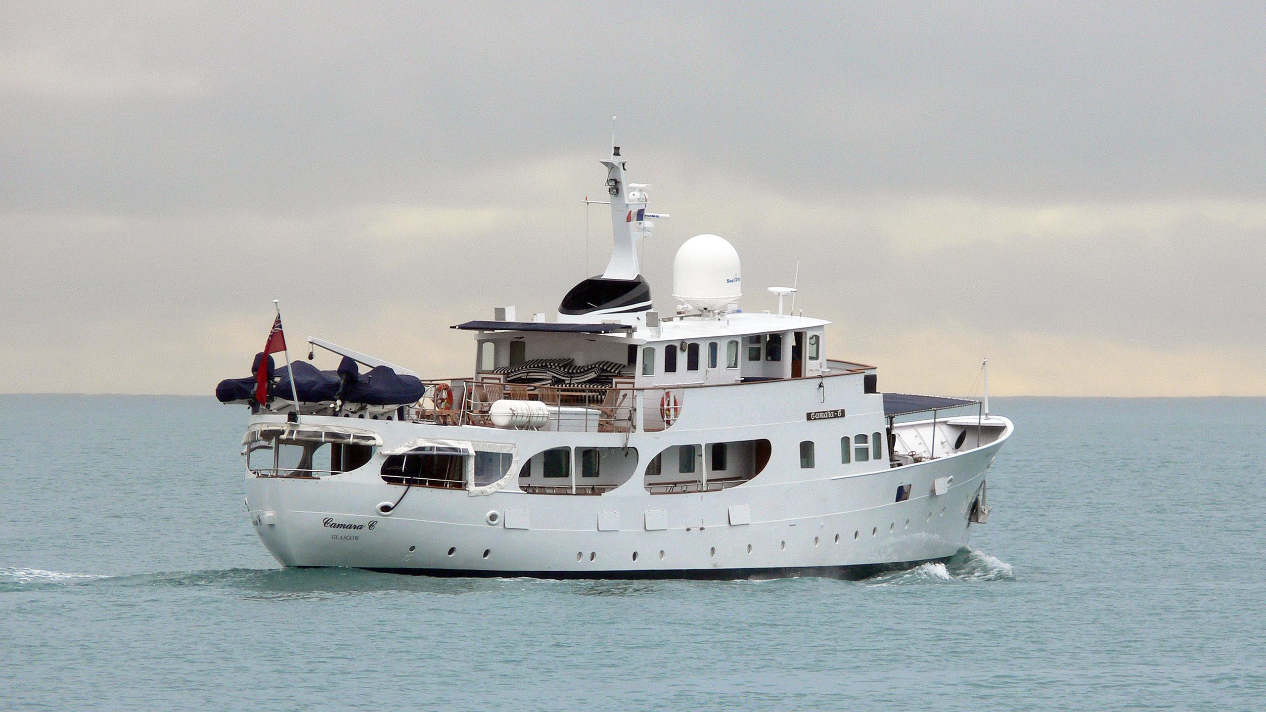 camara-c-motor-yacht-yarrow-1961-32m-stern-cruising