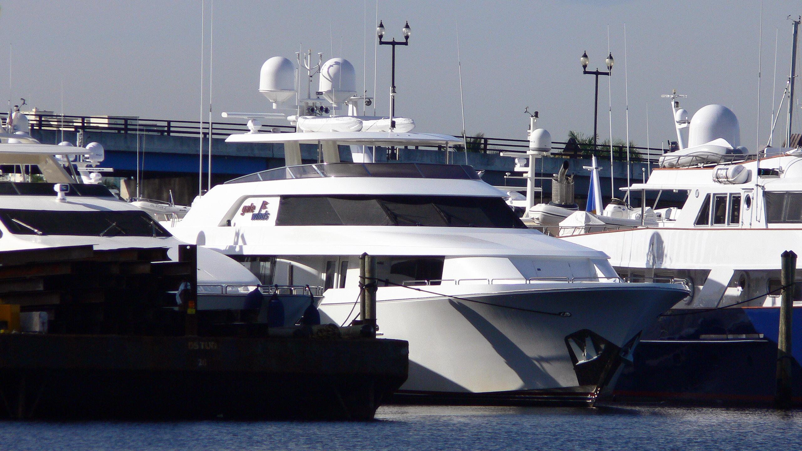 dream-weaver-motor-yacht-westport-112-2005-34m-half-profile