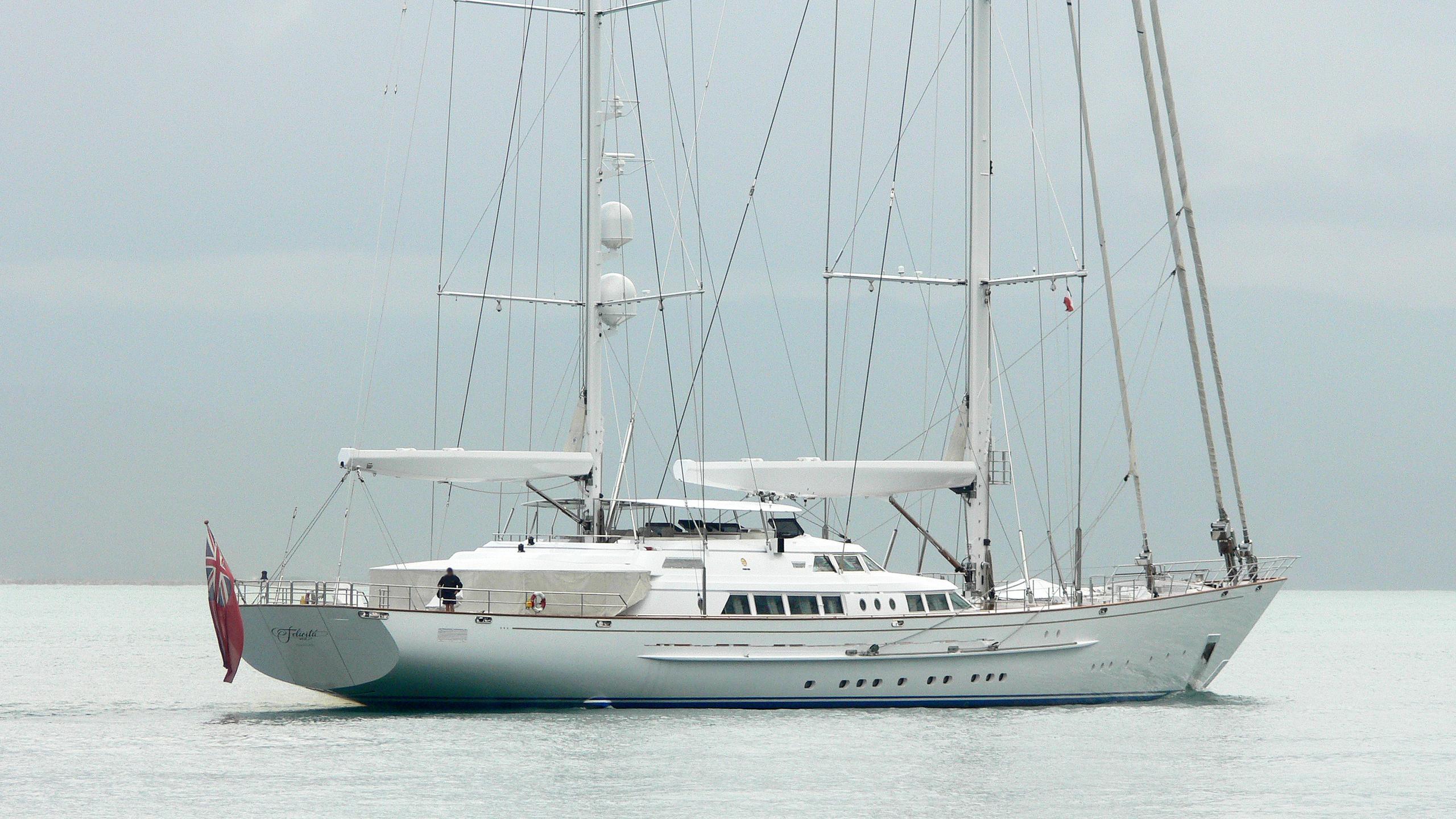 spirit-of-the-cs-sailing-yacht-perini-navi-2003-64m-moored-stern