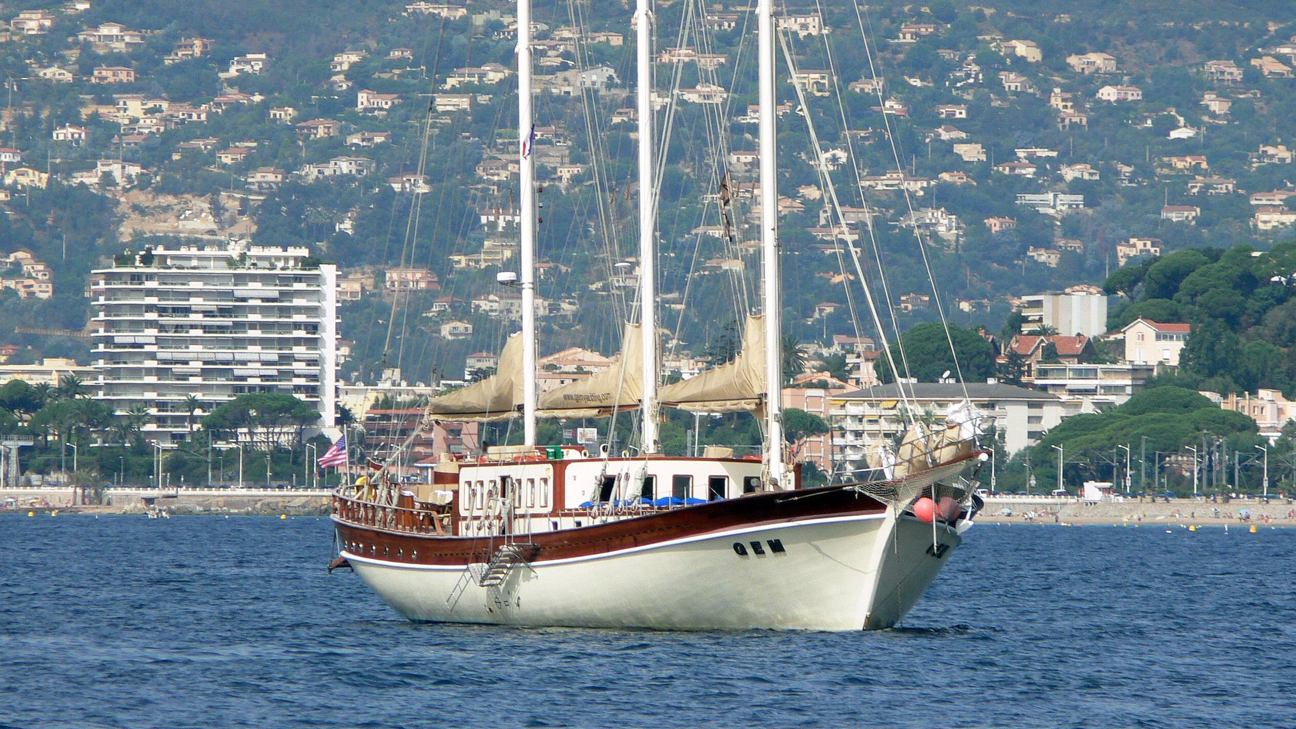 gem-sailing-yacht-aegean-1998-40m-bow