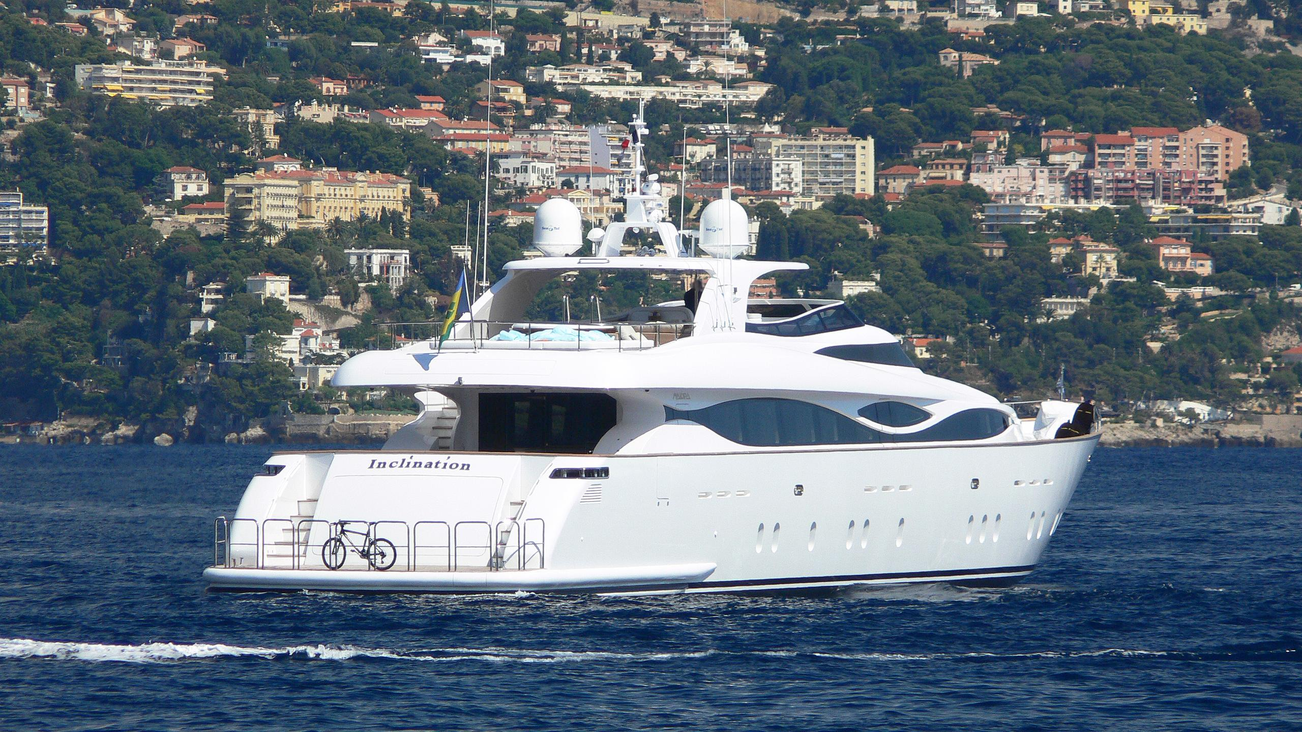 hunter-motor-yacht-maiora-38dp-2008-40m-cruising-stern