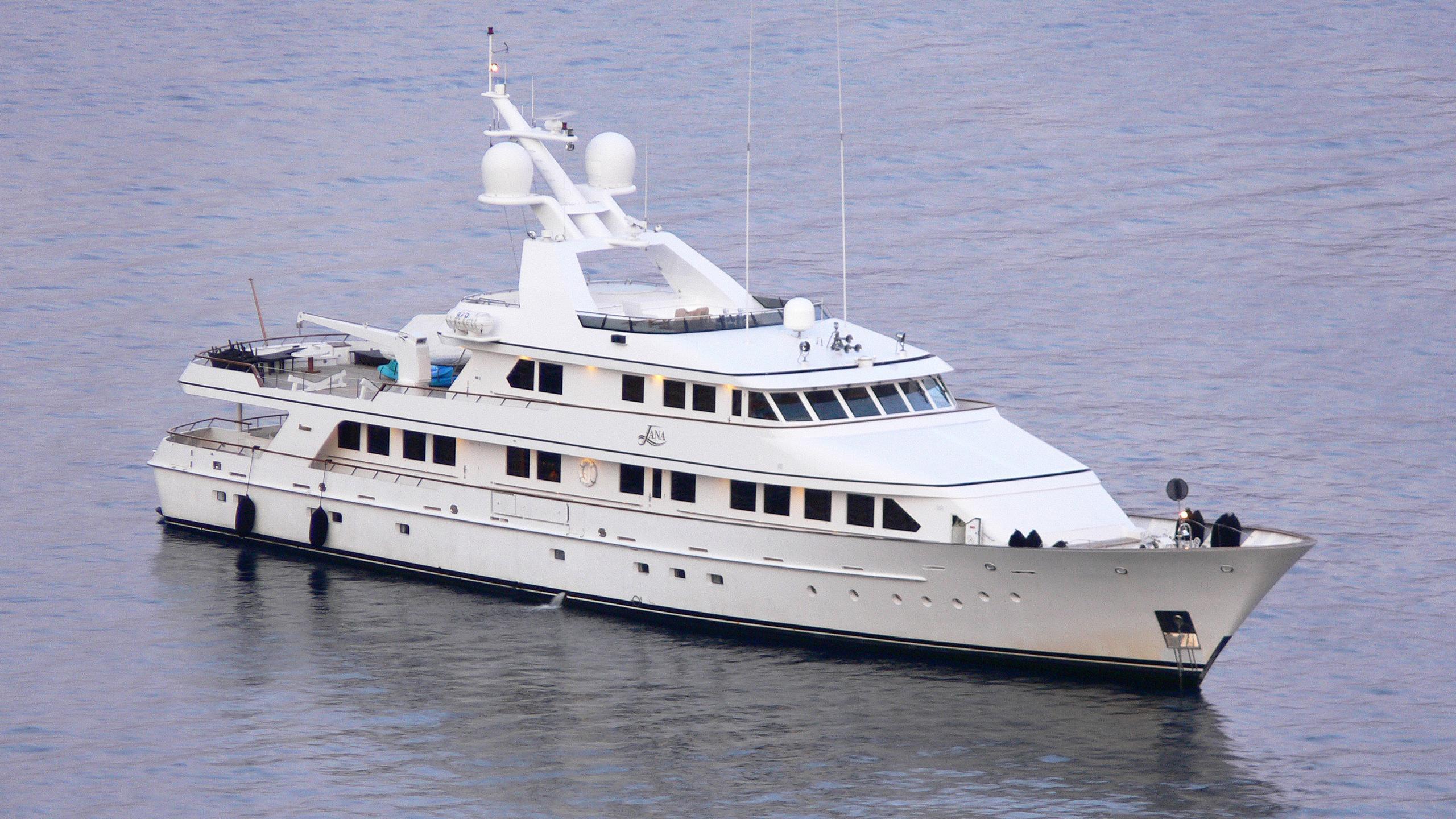 constance-motor-yacht-feadship-1986-46m-half-profile