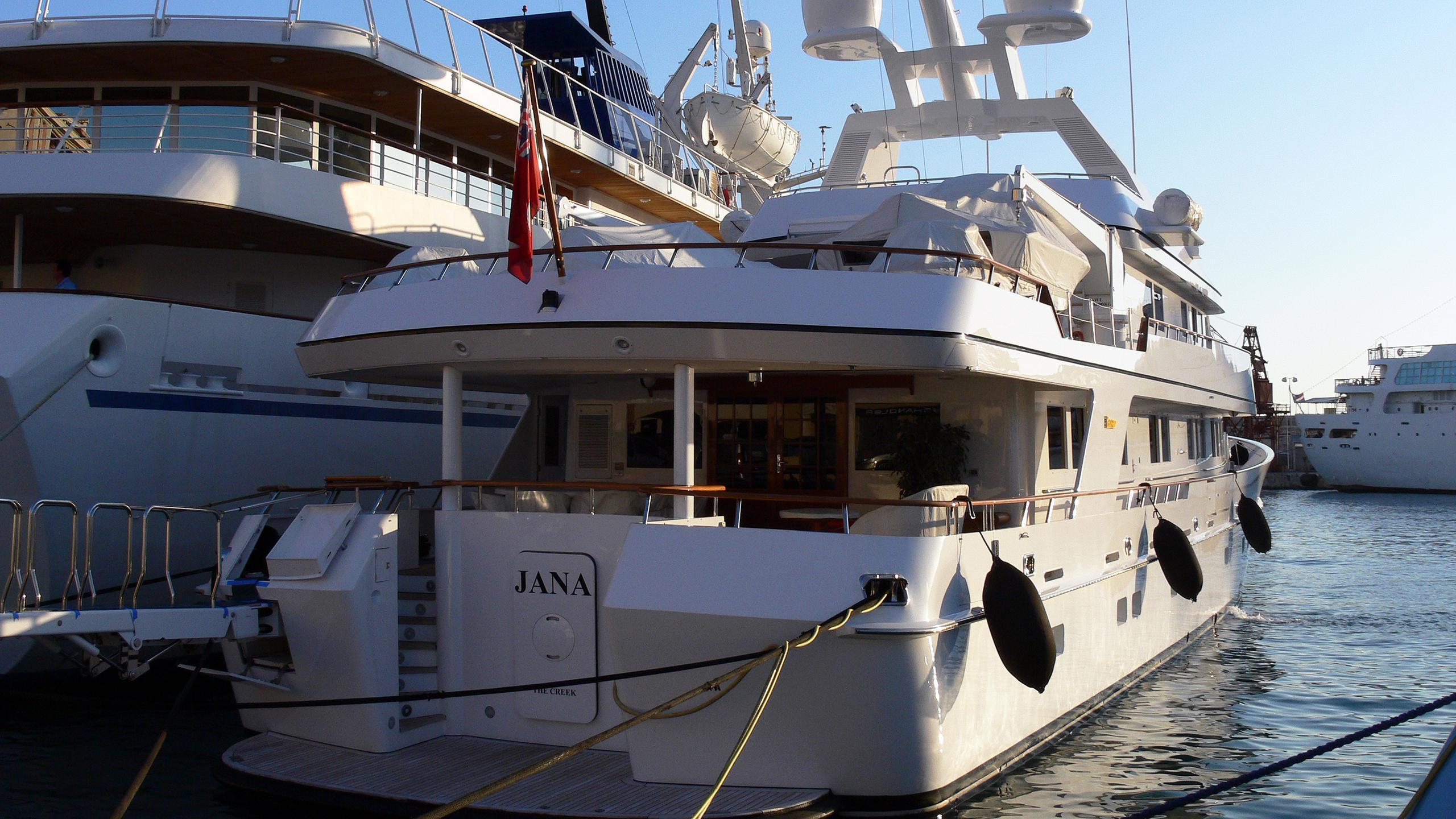 constance-motor-yacht-feadship-1986-46m-stern