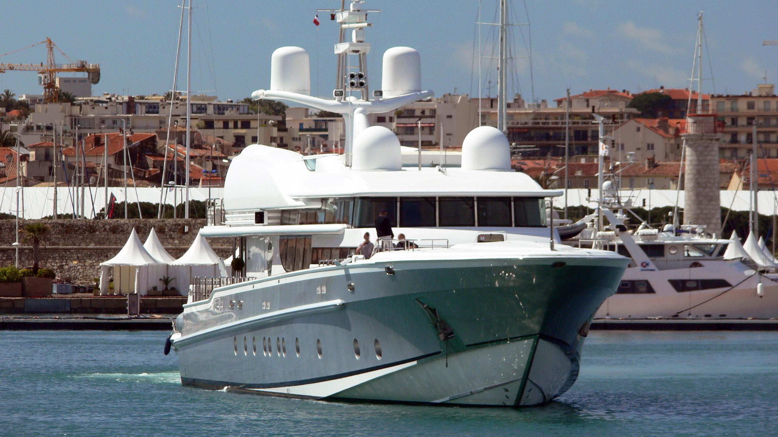 lady-k-motor-yacht-oceanfast-1998-50m-running-bow