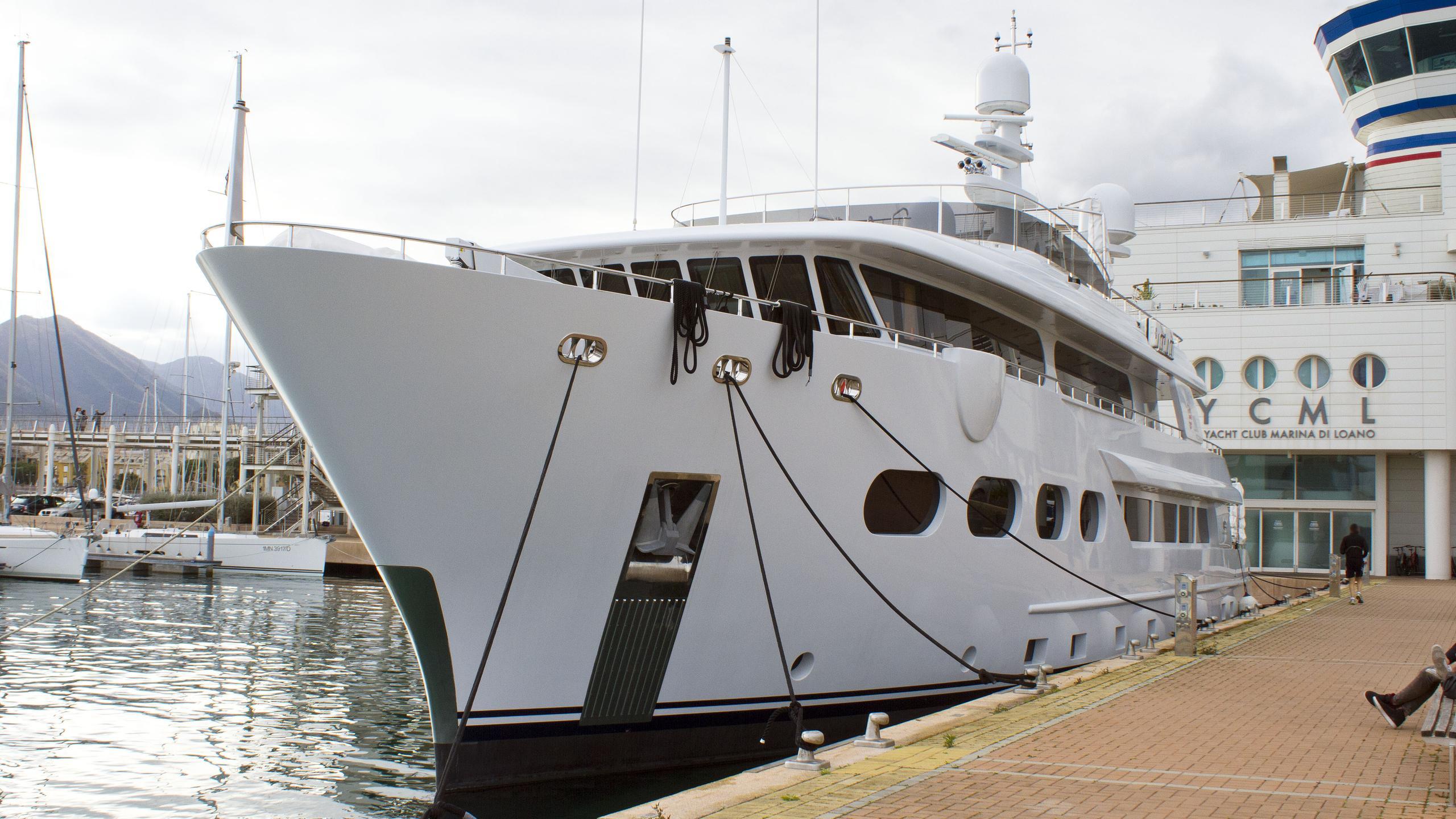 baron-trenck-explorer-yacht-eurocraft-2011-43m-moored-half-profile