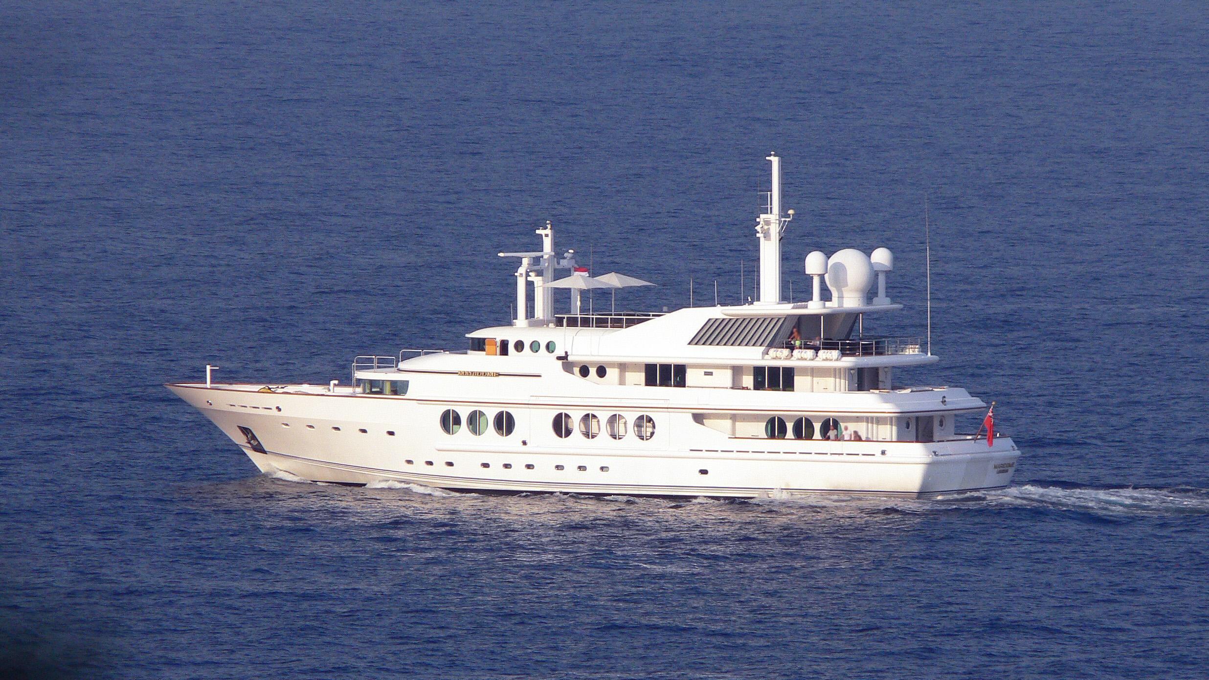 maridome-motor-yacht-brooke-1989-54m-cruising-half-profile