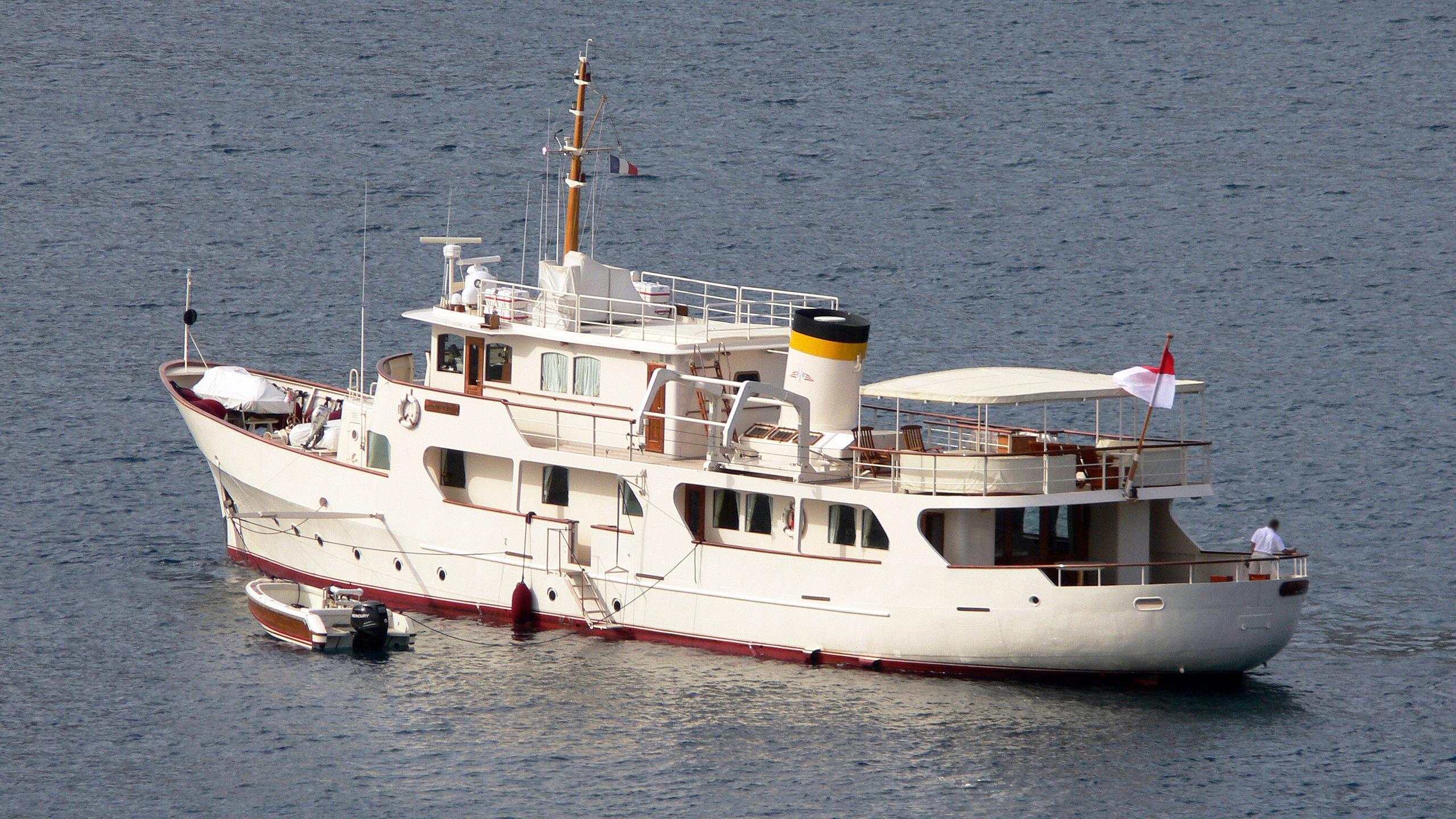 montrevel-motor-yacht-ateliers-et-forges-de-l-ouest-1958-37m-half-profile