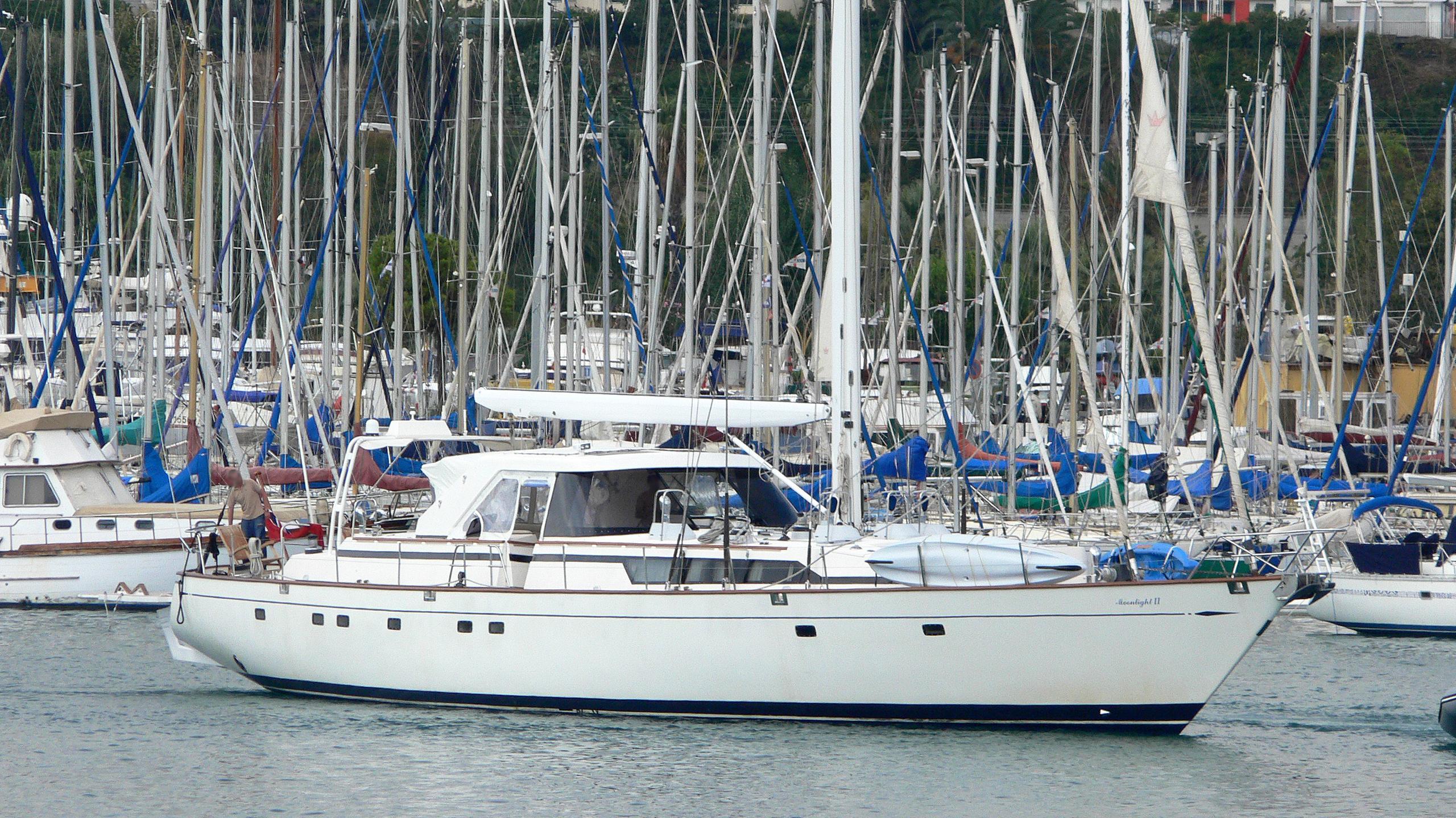 moonlight-ii-sailing-yacht-cim-1992-30m-half-profile