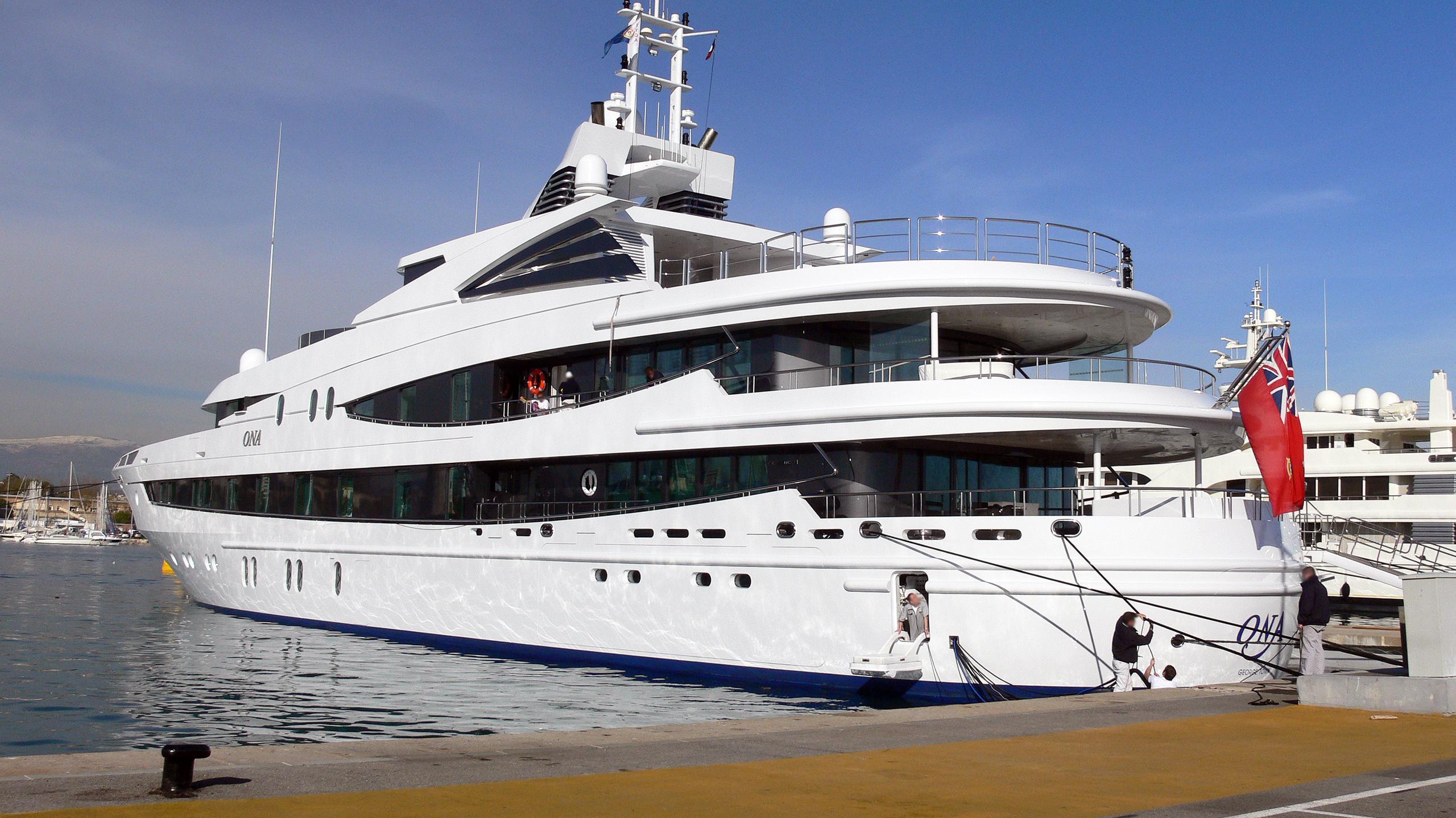 luna b natita motoryacht oceanco 2005 66m stern