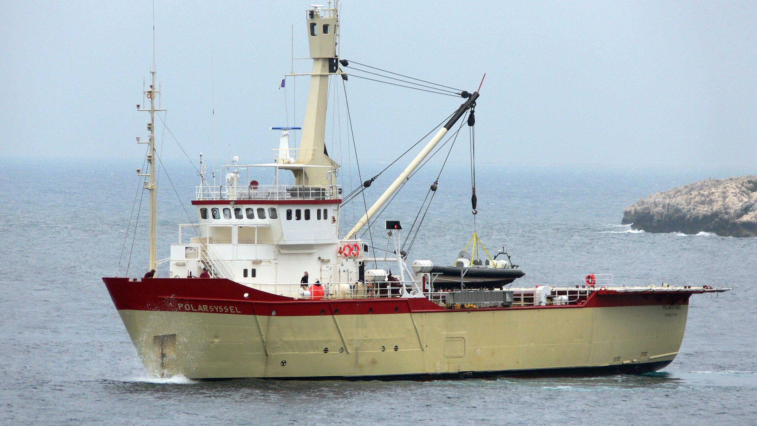 polarsyssel-expedition-yacht-hoivolds-1976-50m-half-profile-anchor