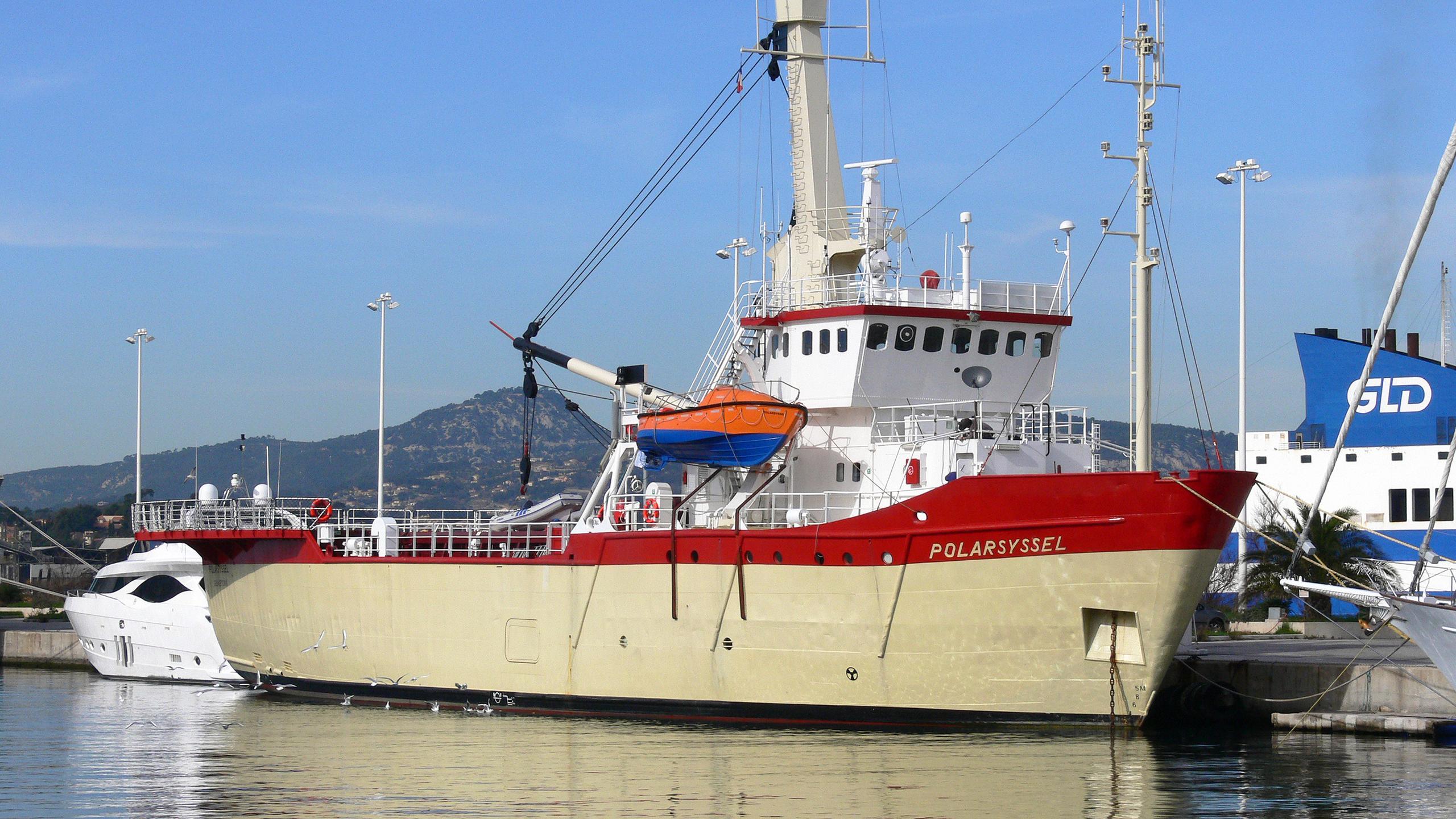 polarsyssel-expedition-yacht-hoivolds-1976-50m-half-profile-moored
