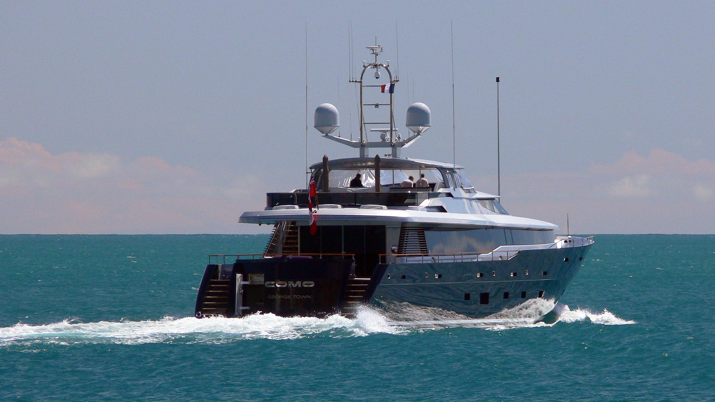gazelle-polly-motor-yacht-alloy-2007-41m-cruising-stern