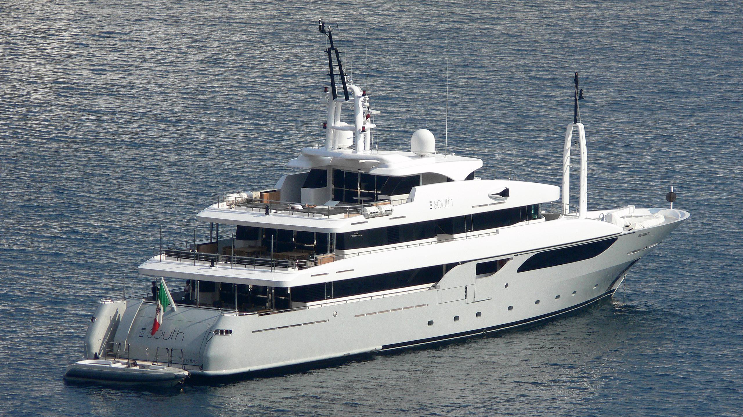 rarity-syna-south-motor-yacht-rossinavi-2008-53m-stern