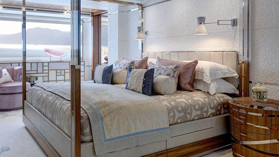 moon-sand-motor-yacht-feadship-2015-44m-four-poster-bed