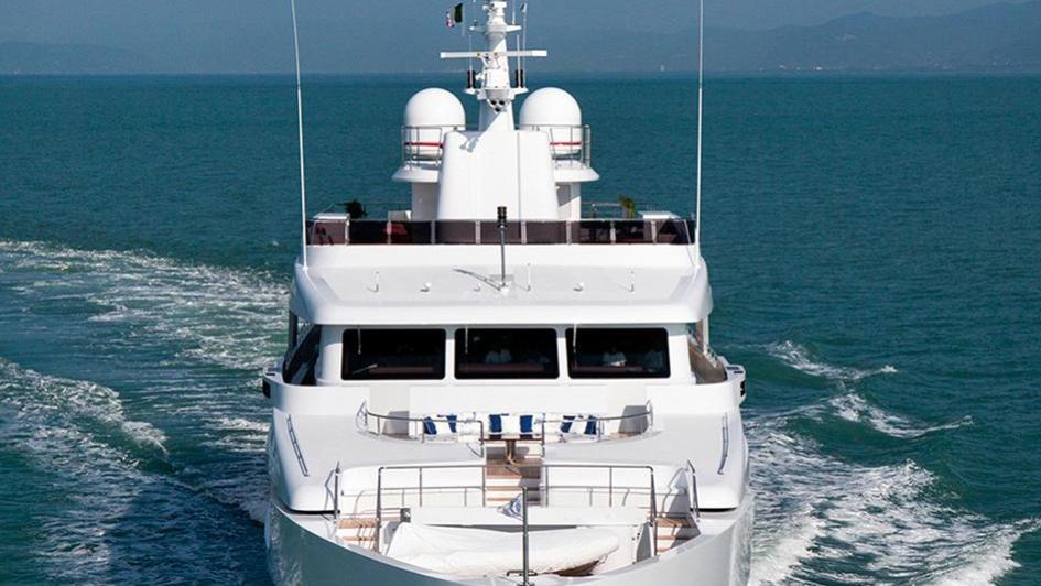 gazzella-motor-yacht-codecasa-2015-50m-bow