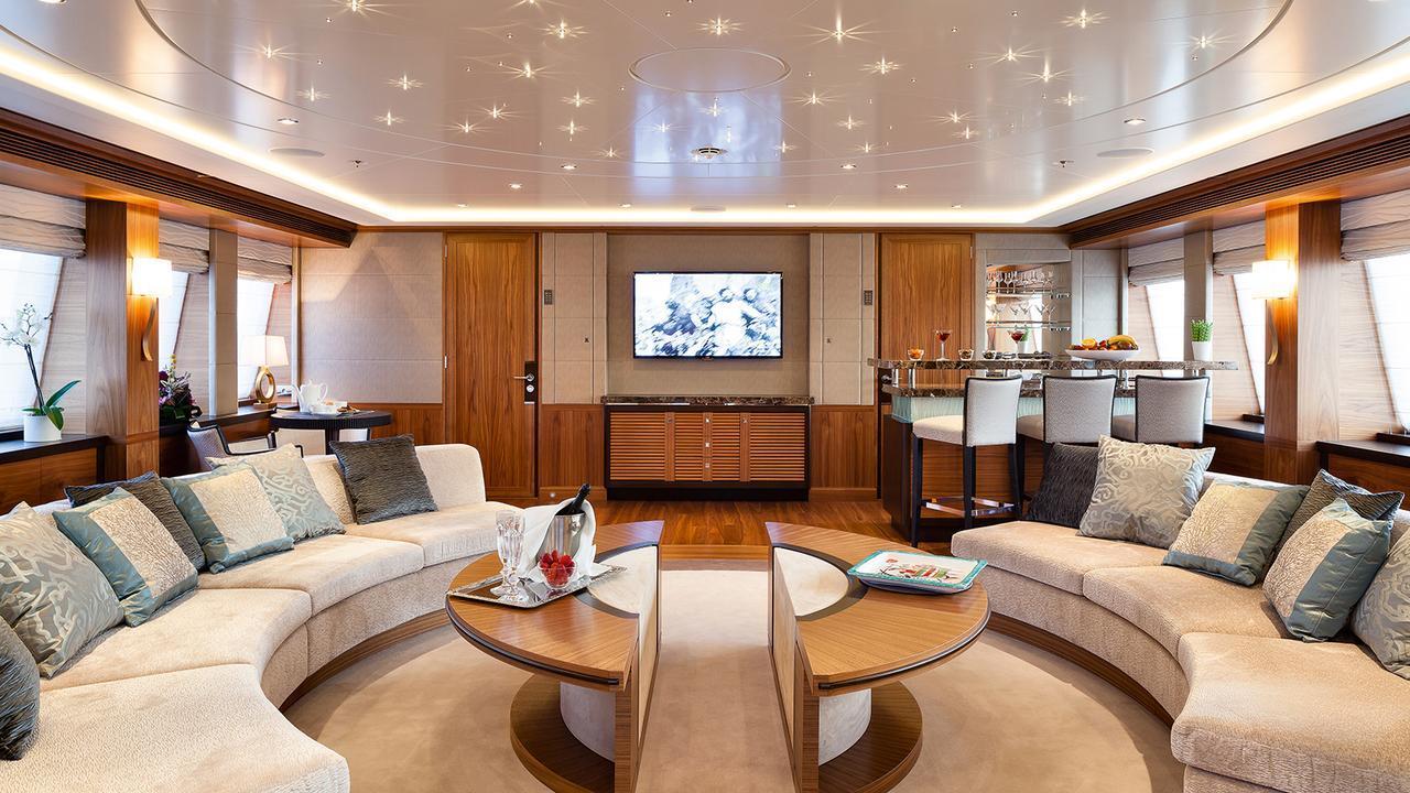 elena-motor-yacht-heesen-2014-47m-circular-saloon