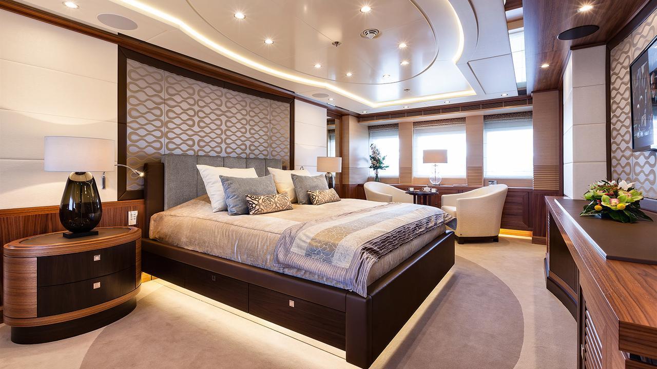 elena-motor-yacht-heesen-2014-47m-bedroom