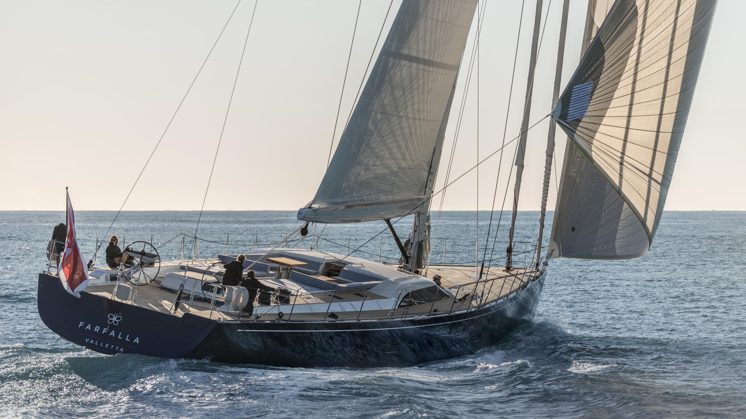 farfalla-sailing-yacht-southern-wind-2014-32m-cruising-stern