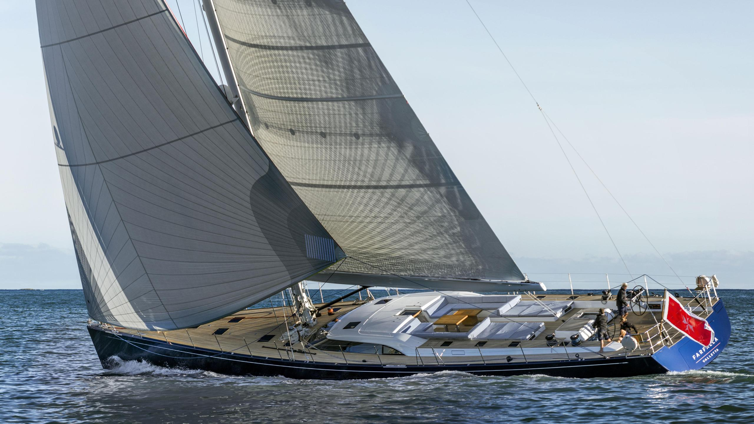 farfalla-sailing-yacht-southern-wind-2014-32m-cruising-half-profile