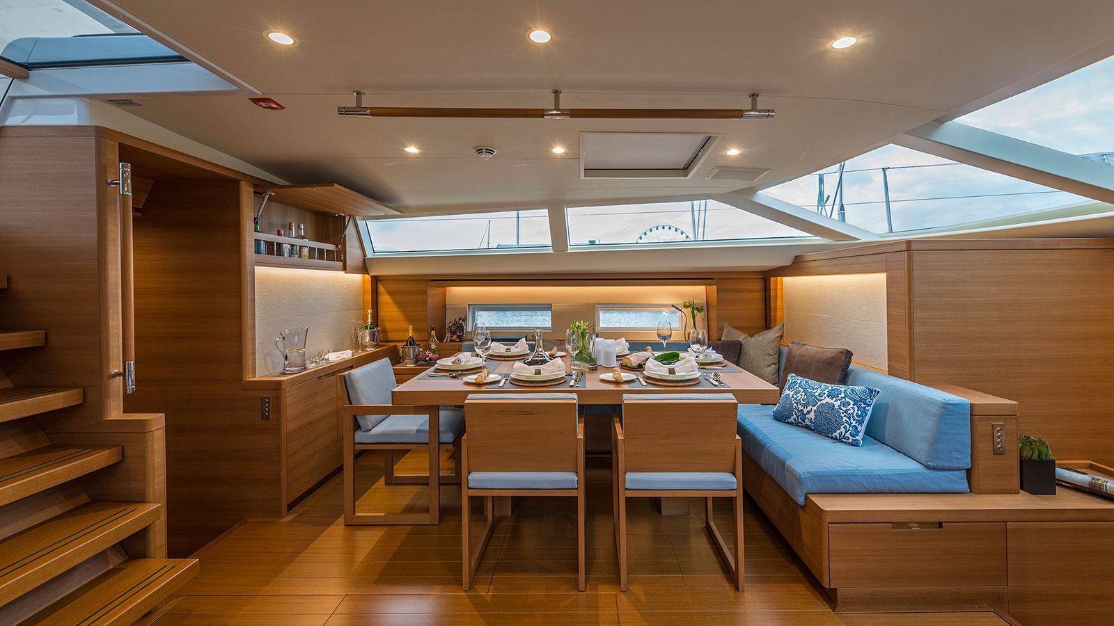 farfalla-sailing-yacht-southern-wind-2014-32m-dining-room