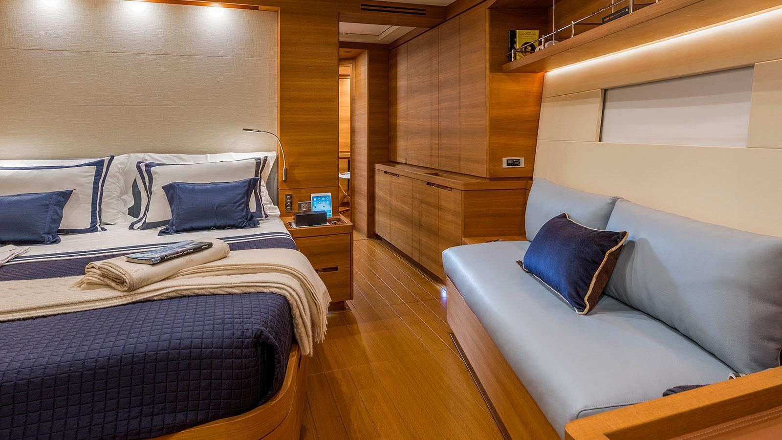 farfalla-sailing-yacht-southern-wind-2014-32m-cabin