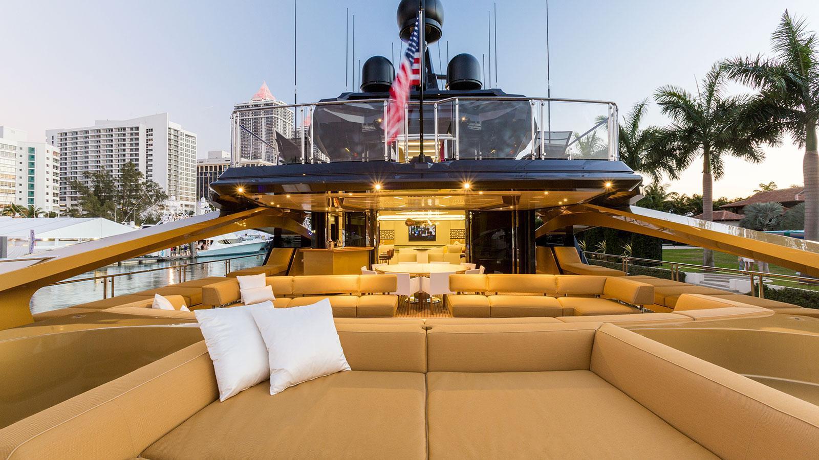 khaliha-motor-yacht-palmer-johnson-super-sport-48-2014-49m-main-deck-aft-deck