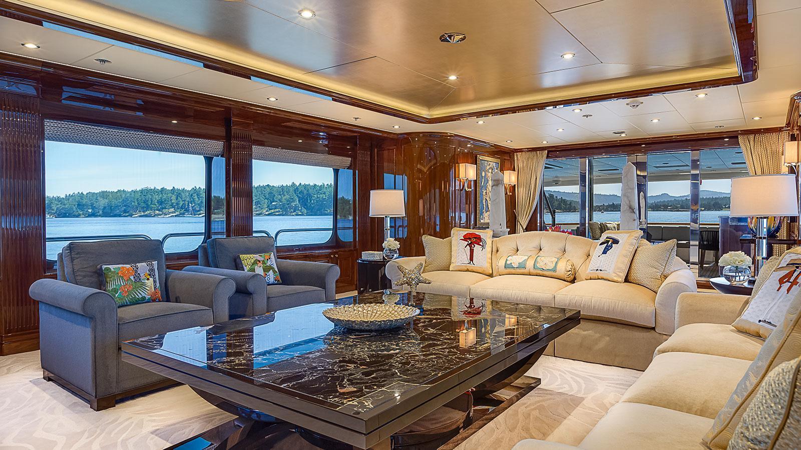 d-natalin-iv-expedition-yacht-christensen-2014-49m-saloon