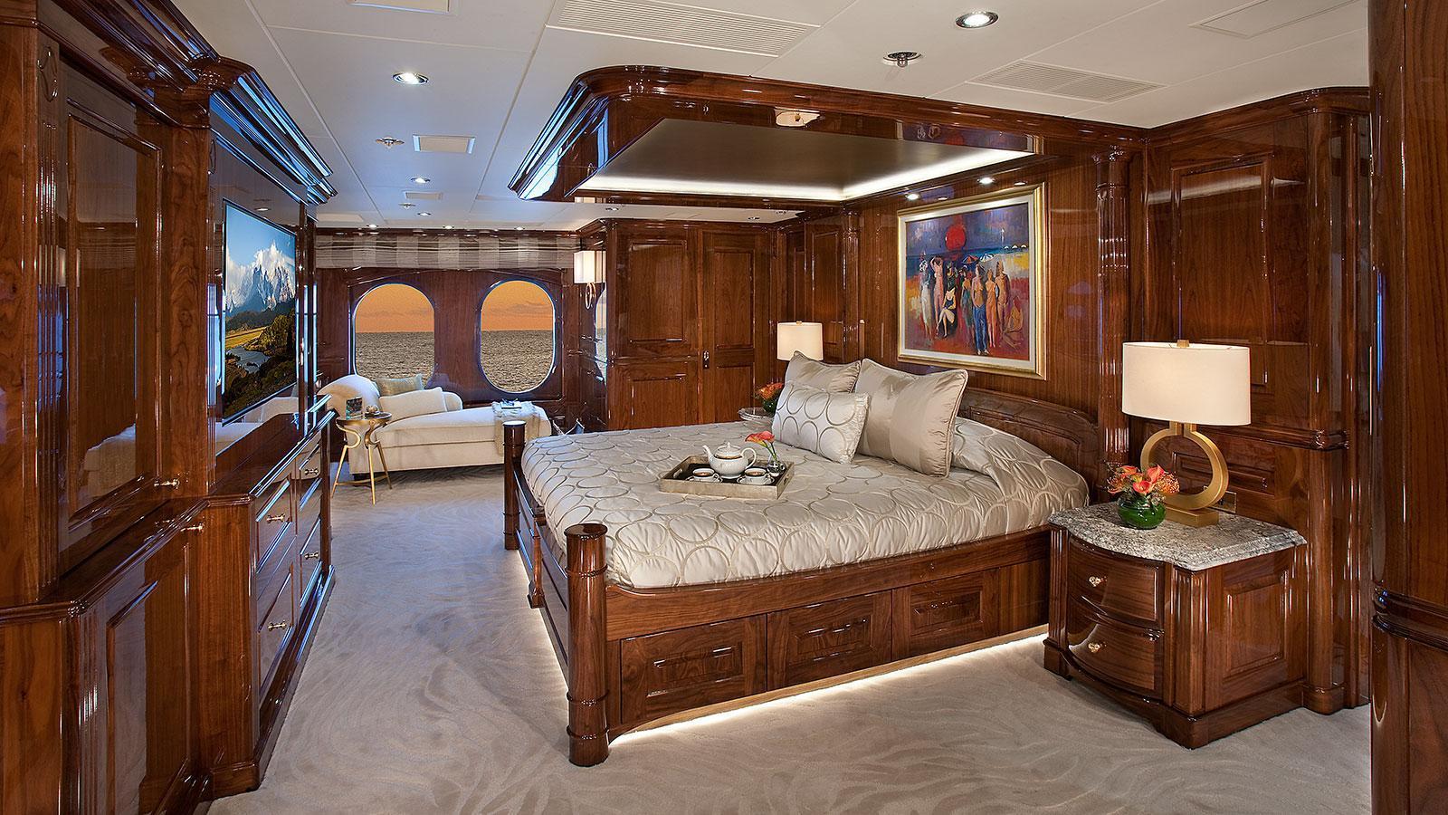 d-natalin-iv-expedition-yacht-christensen-2014-49m-cabin