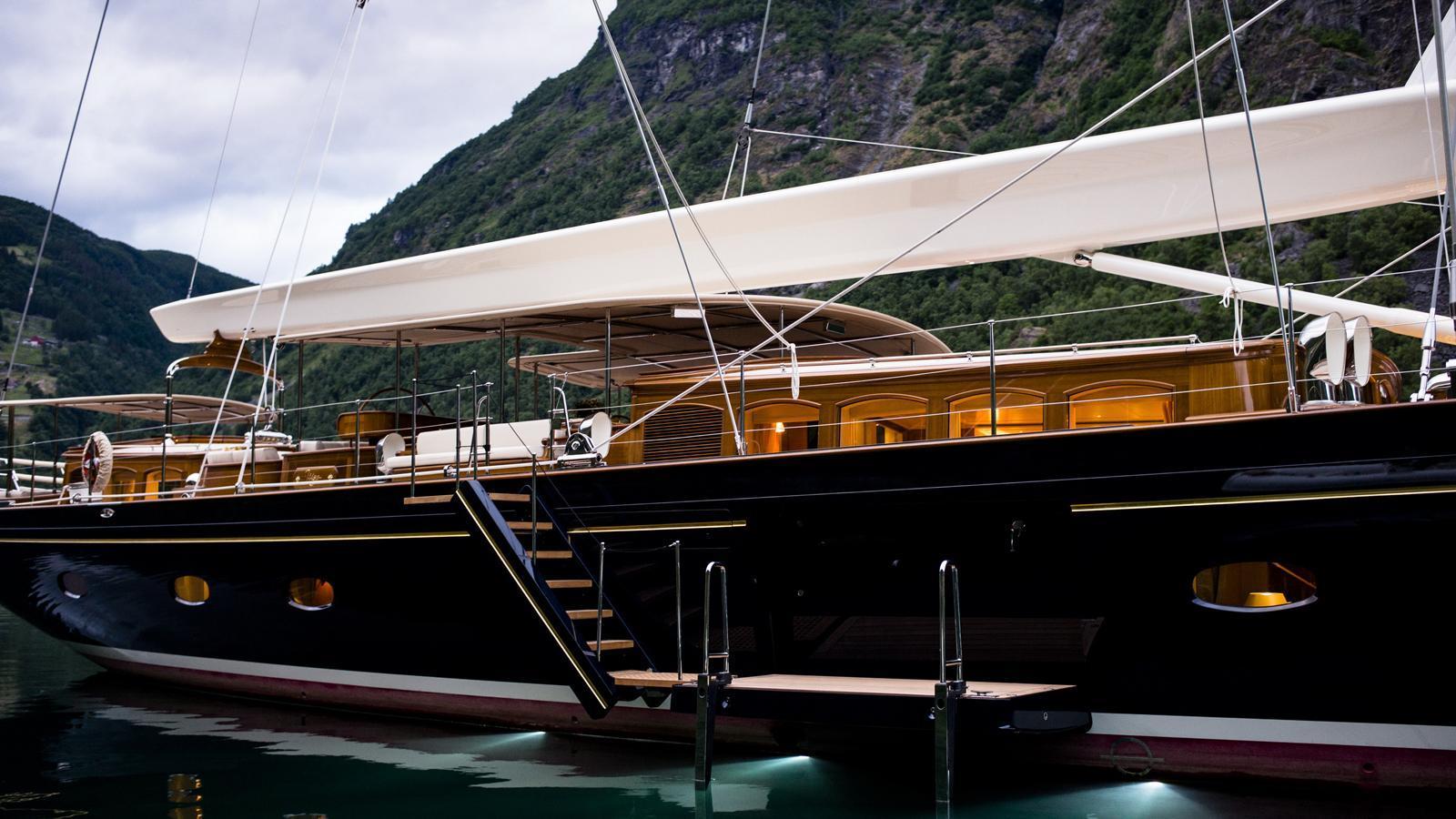 wisp-sailing-yacht-royal-huisman-2014-48m-exterior