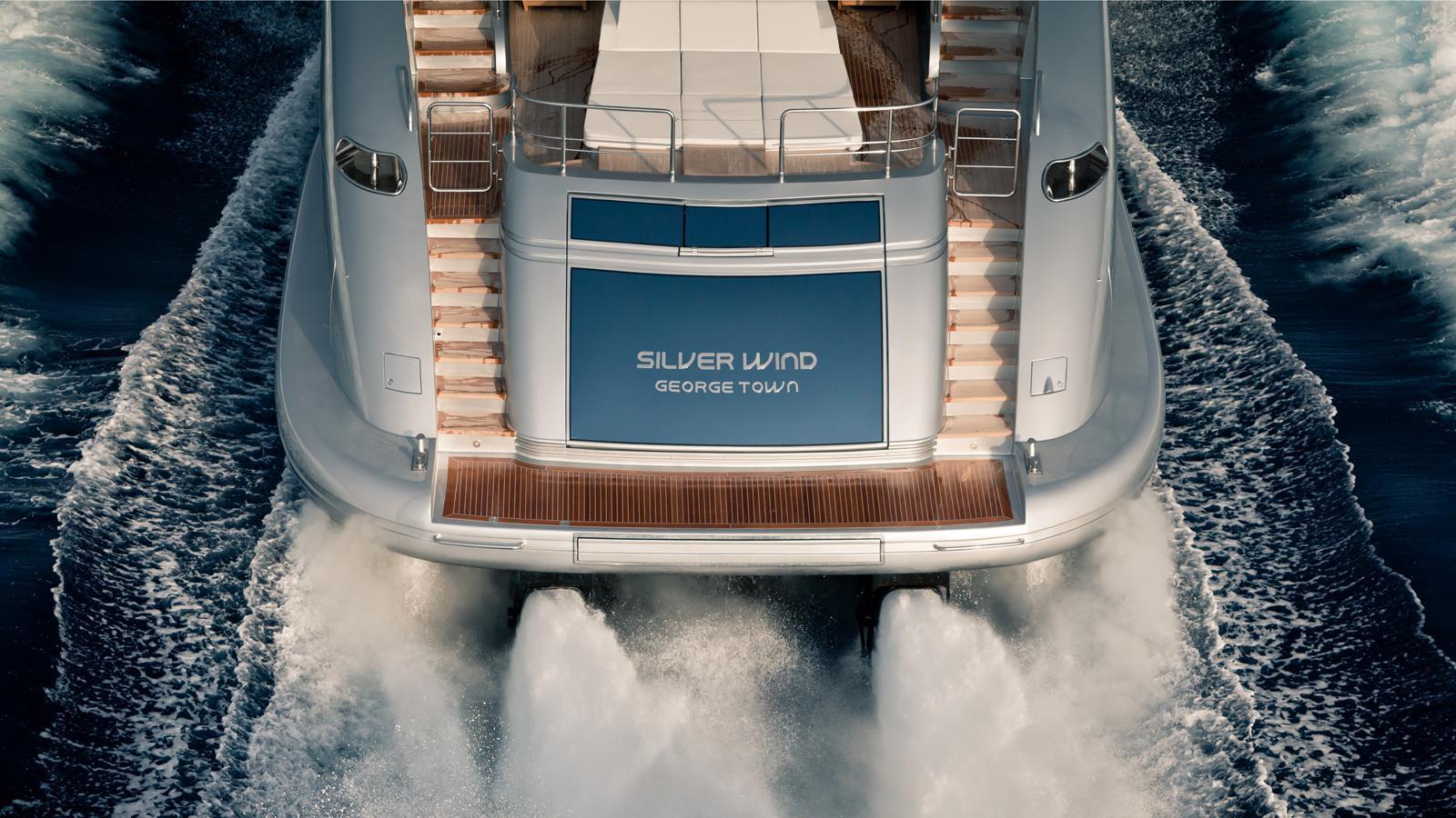 silver-wind-motor-yacht-isa-140-2014-44m-stern