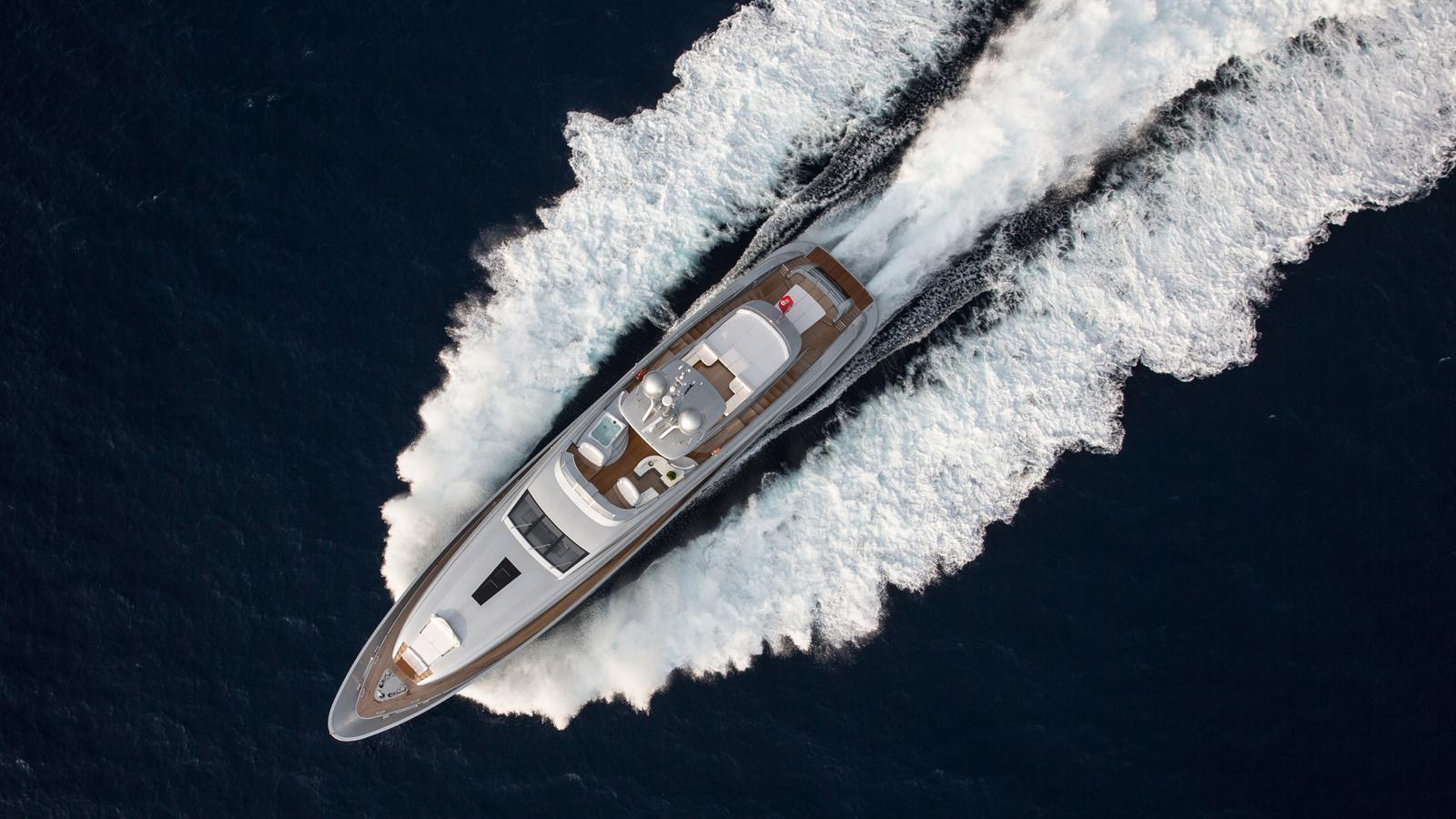 silver-wind-motor-yacht-isa-140-2014-44m-aerial-cruising