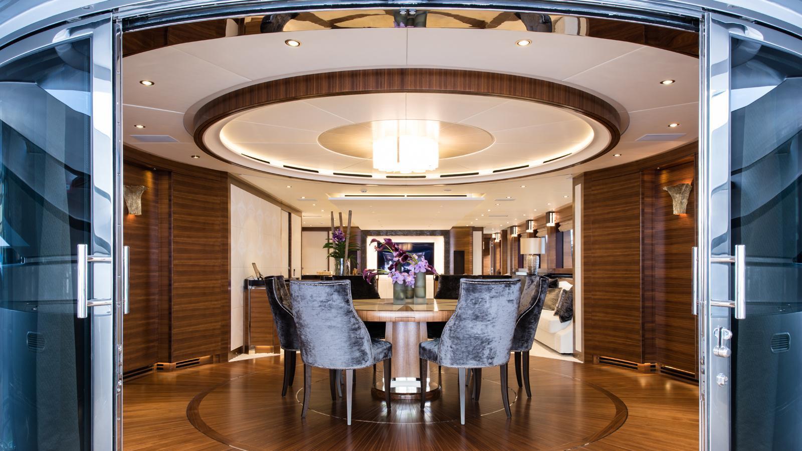 silver-wind-motor-yacht-isa-140-2014-44m-circular-dining-room