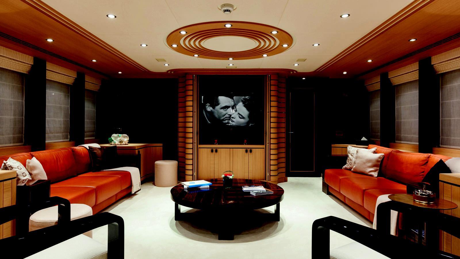 taurica-motor-yacht-heesen-2014-40m-cinema