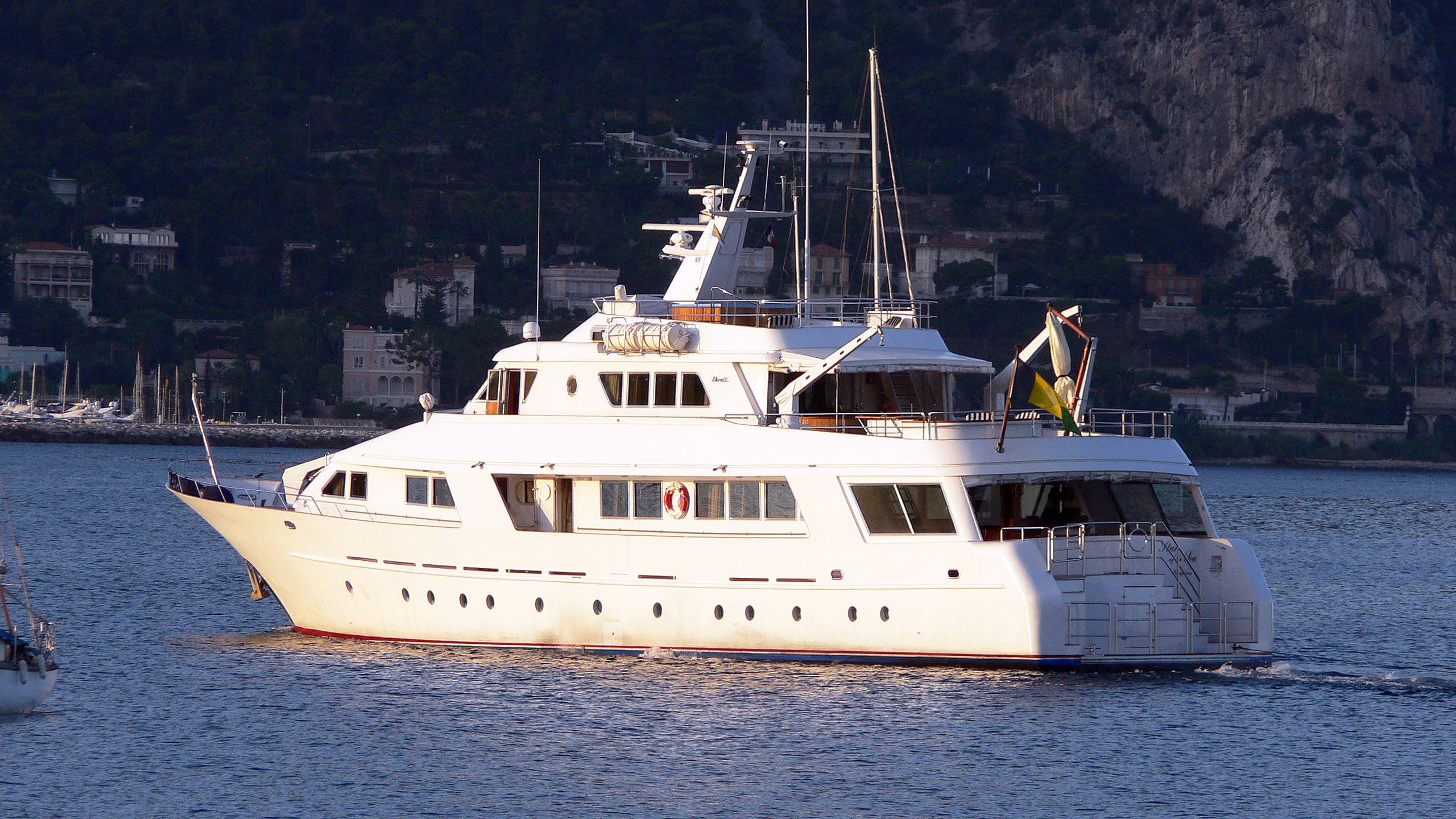 star-of-the-sea-motor-yacht-benetti-1983-34m-cruising-stern