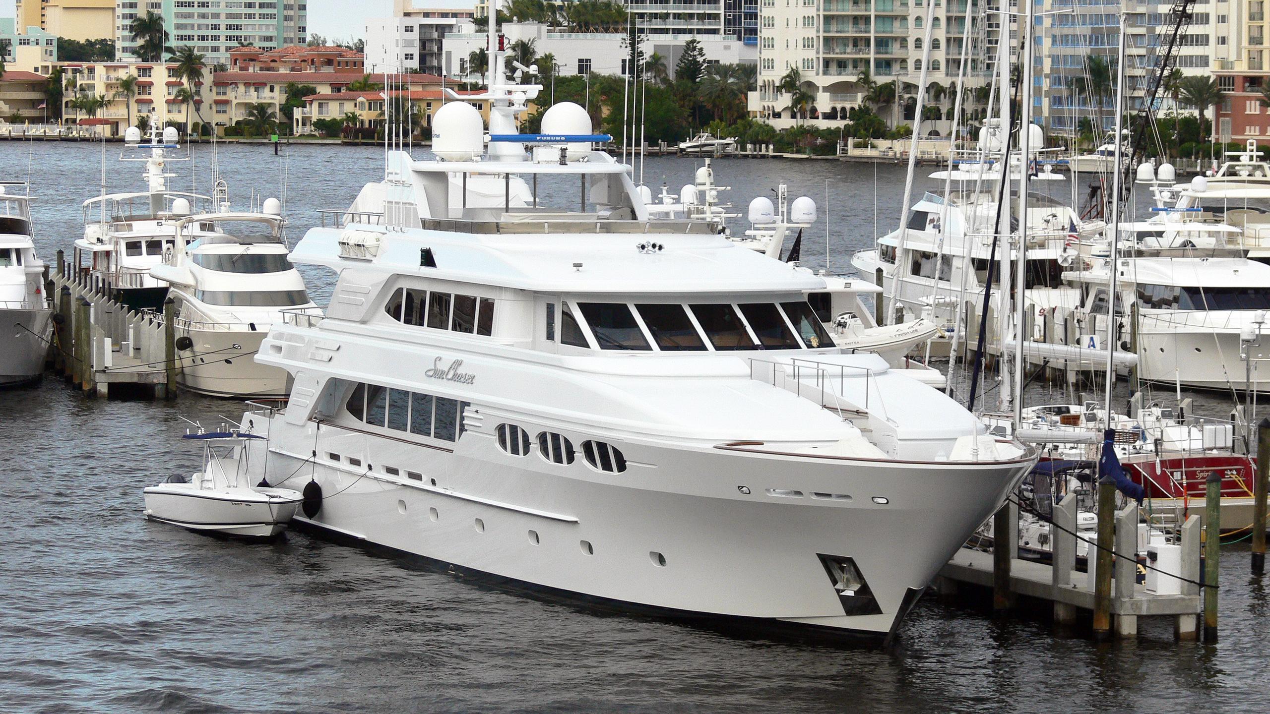 sun-chaser-motor-yacht-richmond-142-2006-43m-moored-half-profile
