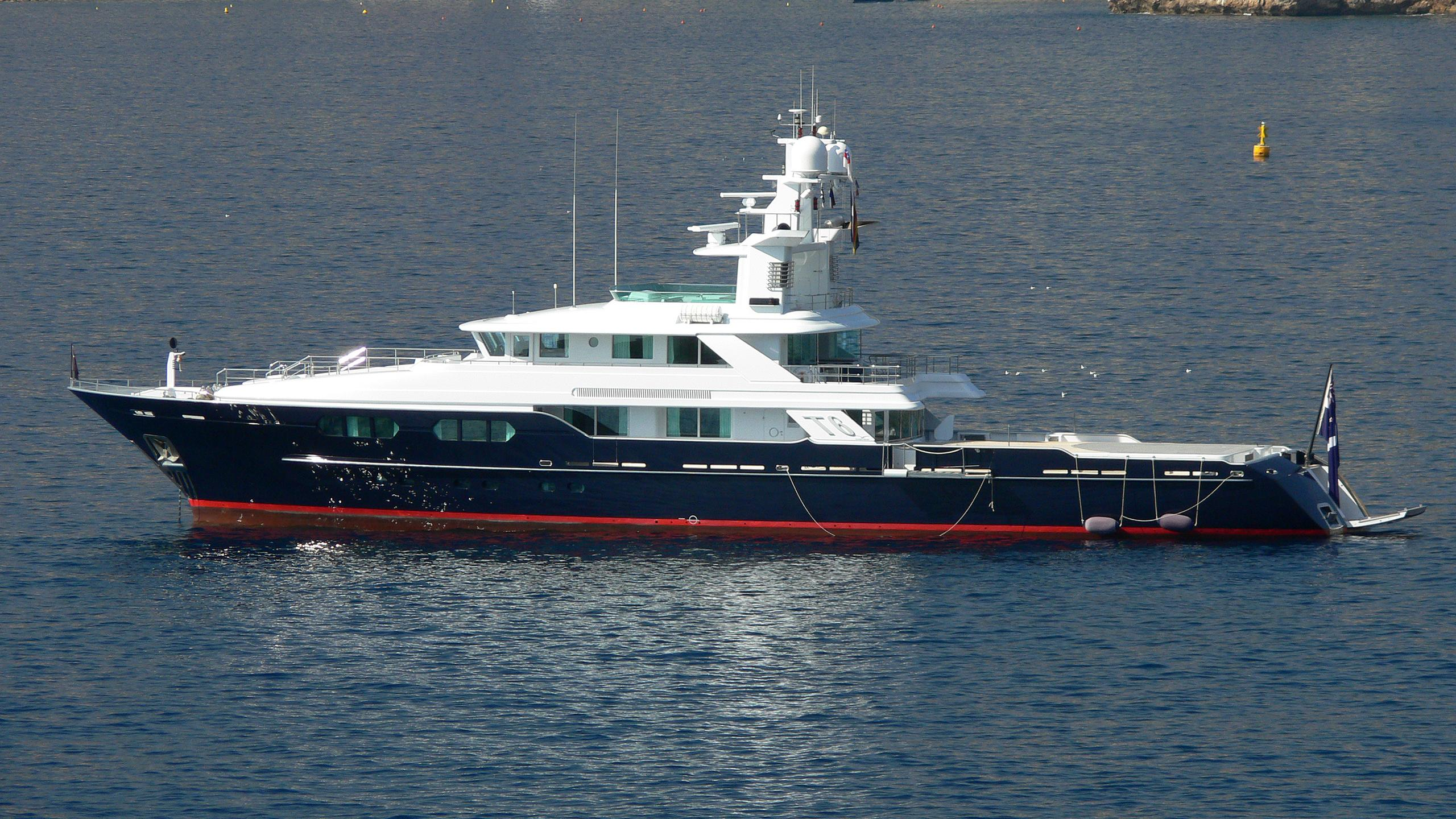 t6-explorer-yacht-flyghtship-2006-49m-profile
