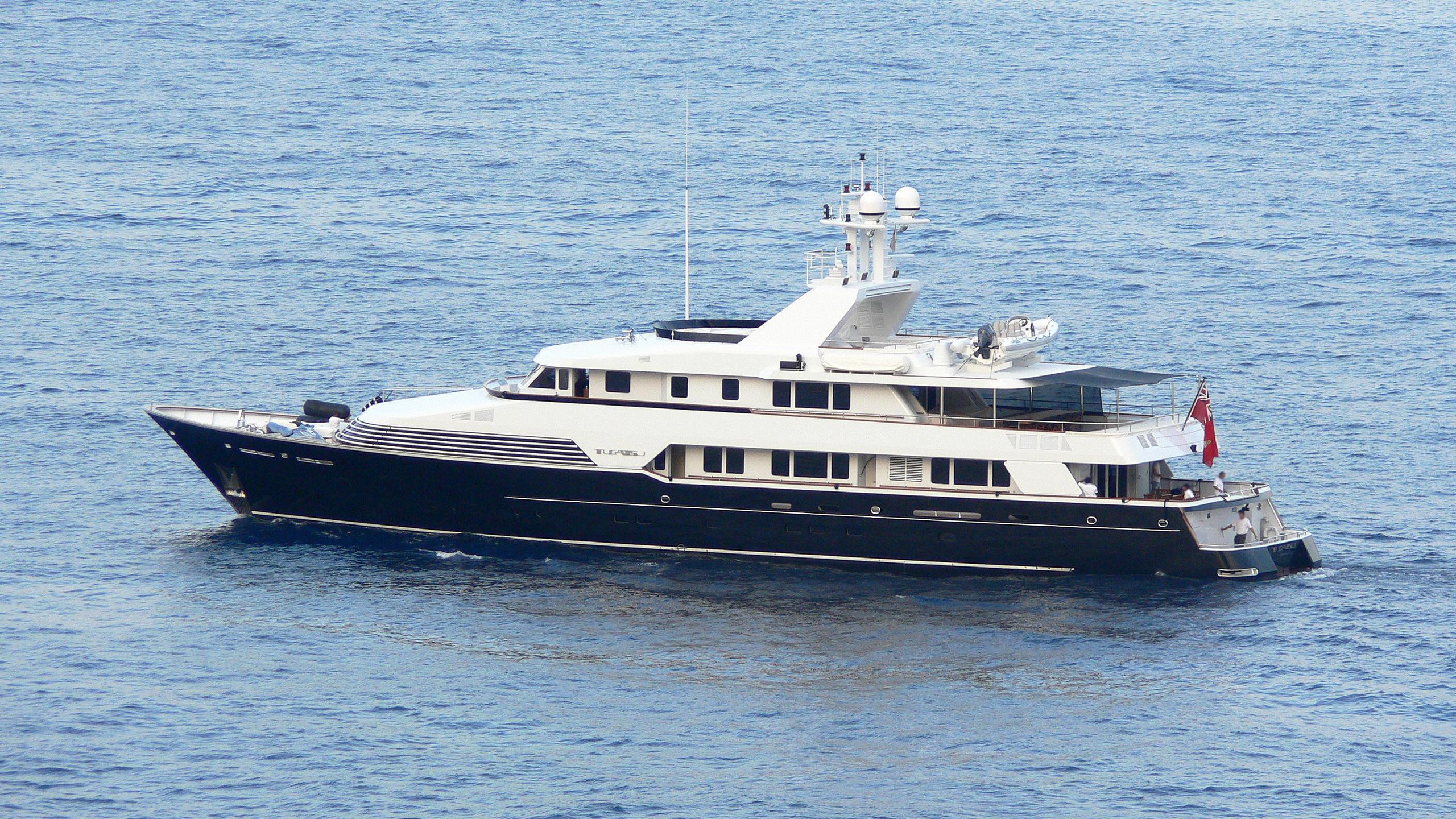 tugatsu-motor-yacht-feadhsip-1989-45m-half-profile