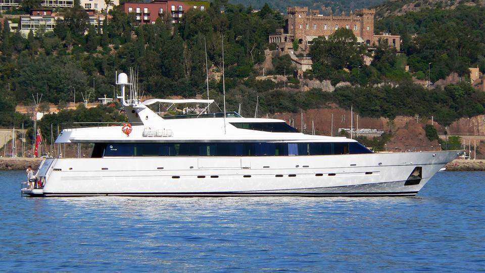 angel-heart-motor-yacht-mefasa-1993-34m-profile