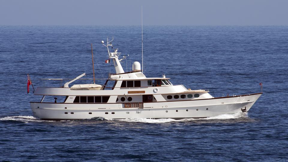 c-side-motor-yacht-feadship-1979-34m-cruising