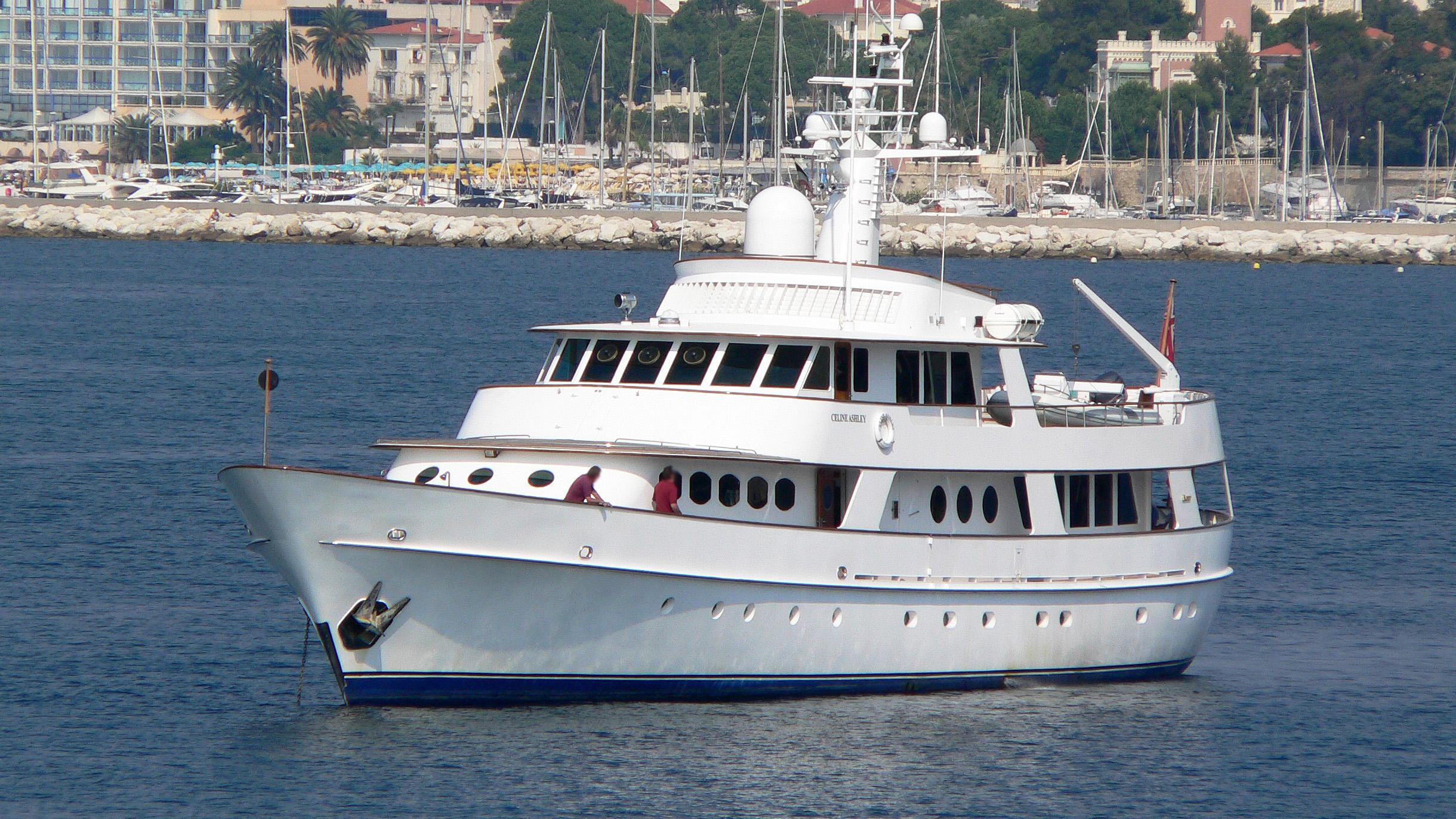 c-side-motor-yacht-feadship-1979-34m-half-profile
