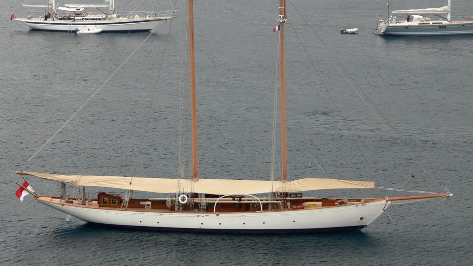doriana-sailing-yacht-frederikssund-skibs-1930-39m-aerial-profile