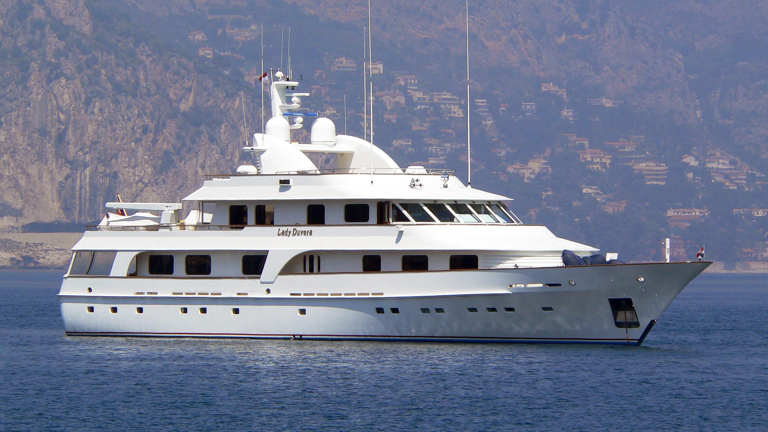 lady-duvera-motor-yacht-hakvoort-200-44m-profile