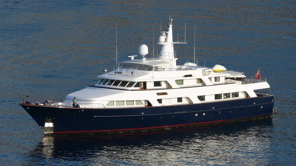 lady-rose-motor-yacht-hitachi-1986-45m-cruising-half-profile